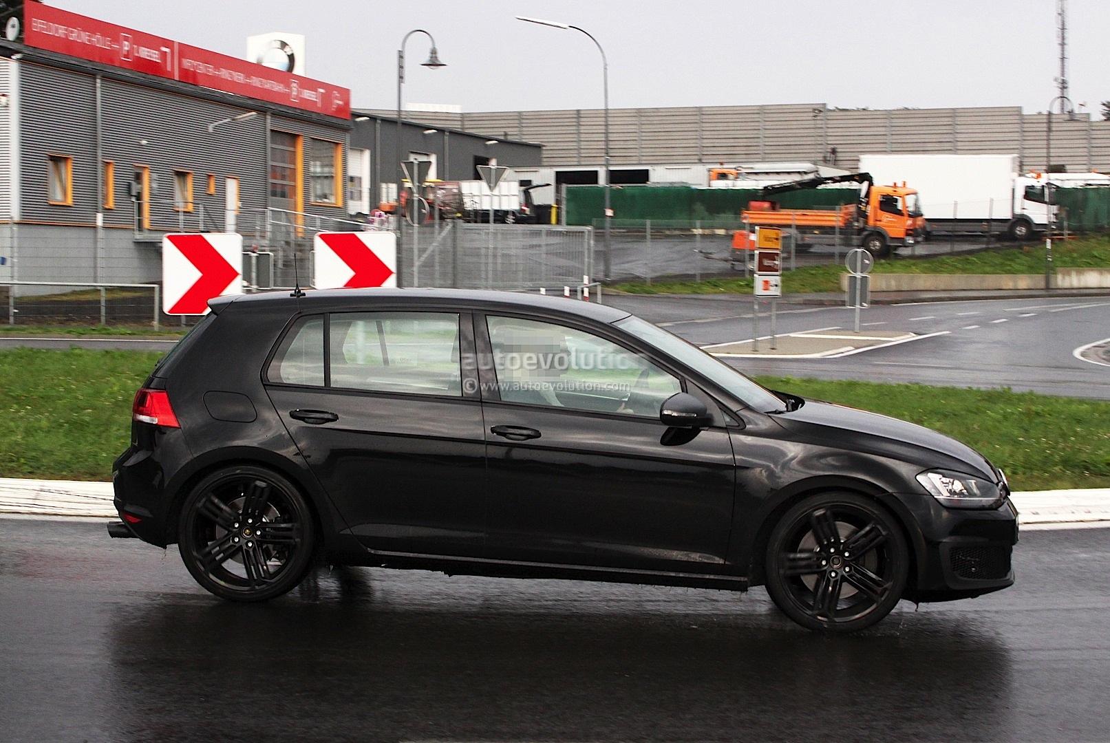 Spyshots: 2014 Volkswagen Golf VII R Drops Camo ...