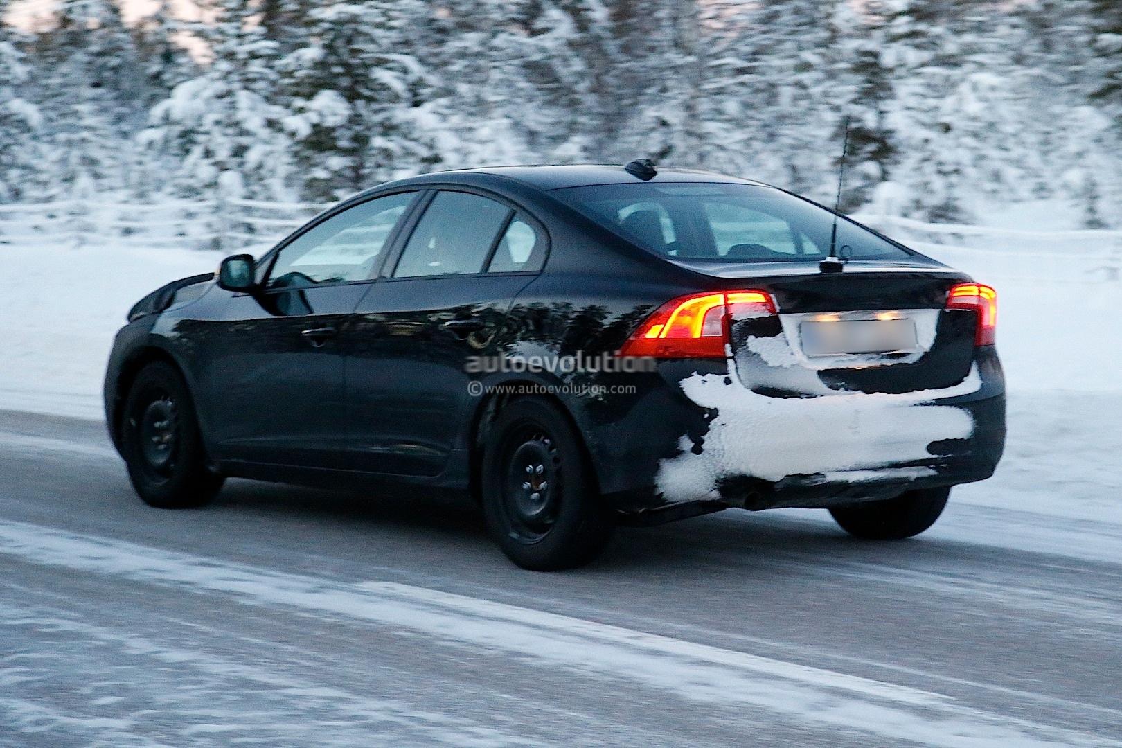 Spyshots: 2014 Volvo S60 Facelift Gets Interior Update ...