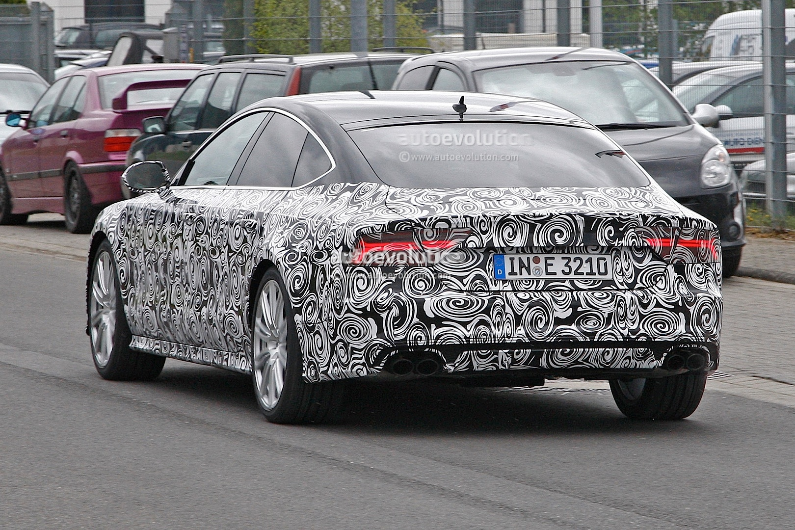2014 - [Audi] A7 & S7 Sportback Restylée - Page 3 Spyshots-2015-audi-s7-facelift-has-a-new-grille-and-headlights_5