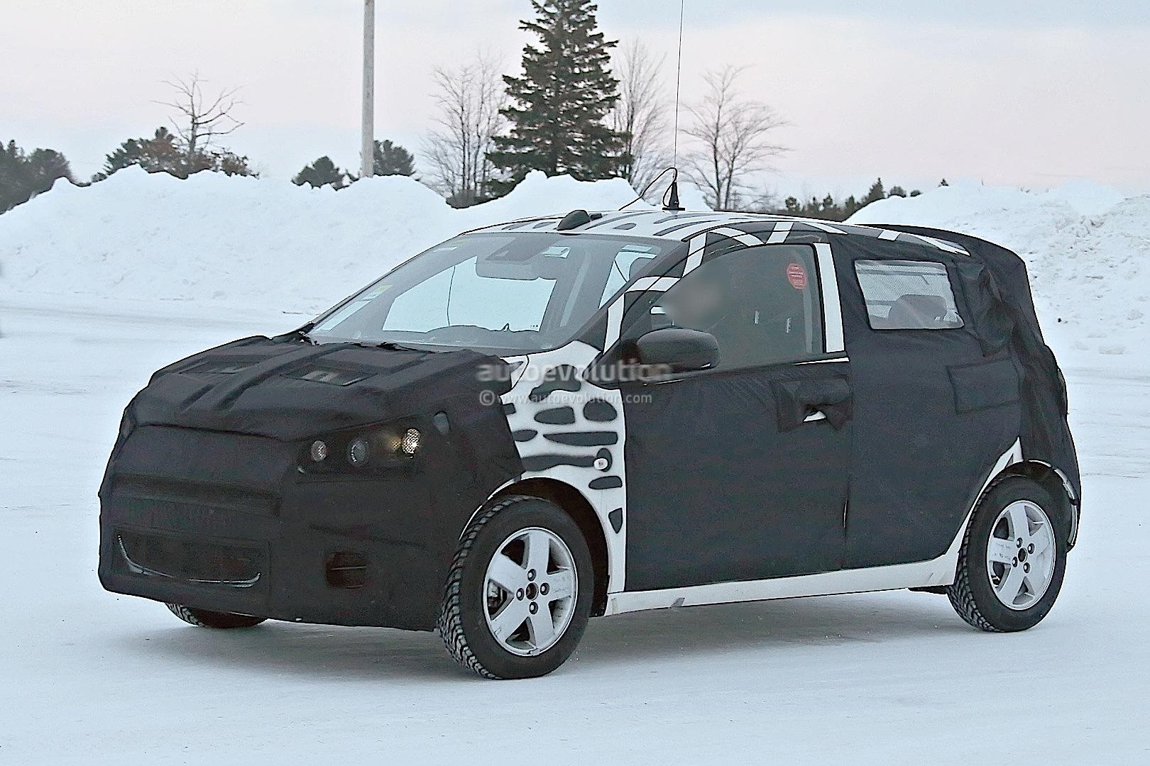 2015 - [Vauxhall/Opel] Viva / Karl Spyshots-2015-chevrolet-spark-caught-winter-testing_2