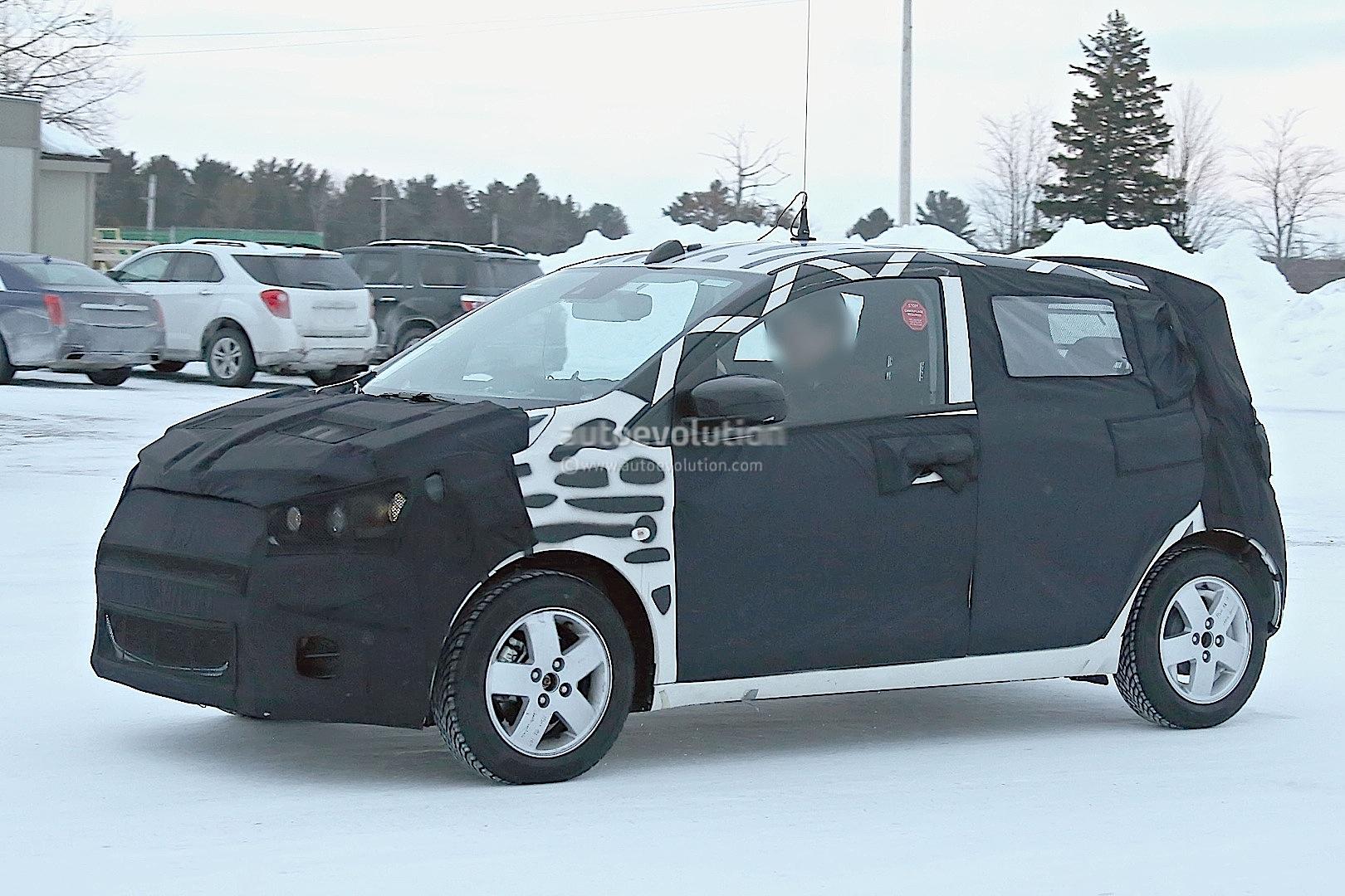 2015 - [Vauxhall/Opel] Viva / Karl Spyshots-2015-chevrolet-spark-caught-winter-testing_3