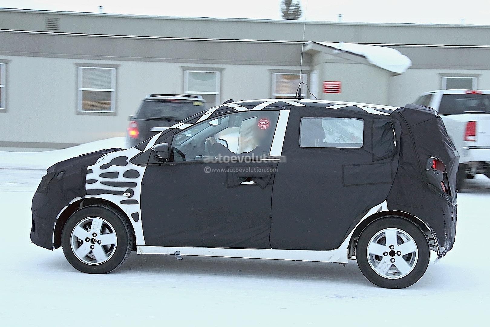 2015 - [Vauxhall/Opel] Viva / Karl Spyshots-2015-chevrolet-spark-caught-winter-testing_5