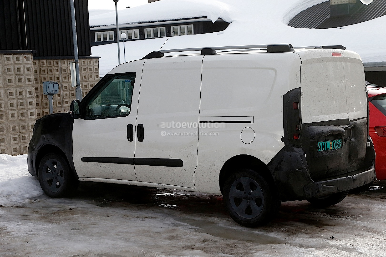 spyshots 2015 fiat doblo ram promaster city autoevolution. Black Bedroom Furniture Sets. Home Design Ideas
