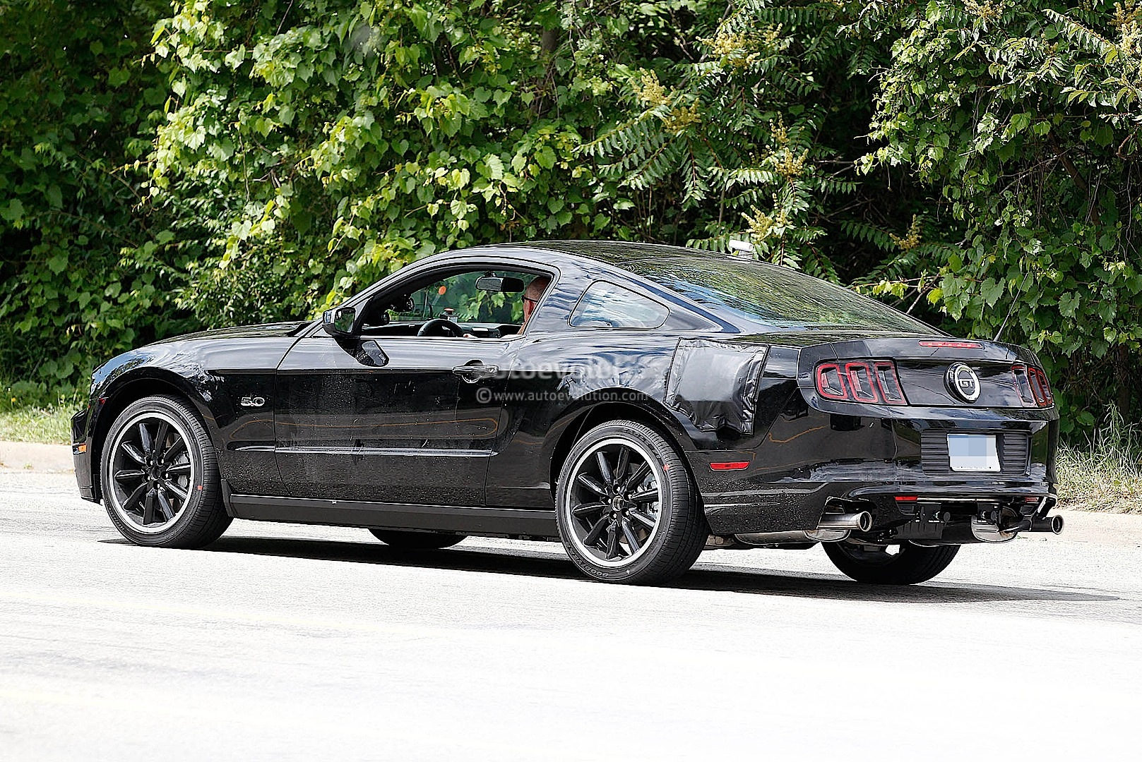 2015 Ford Mustang Test Mule Spy Shots #1/6