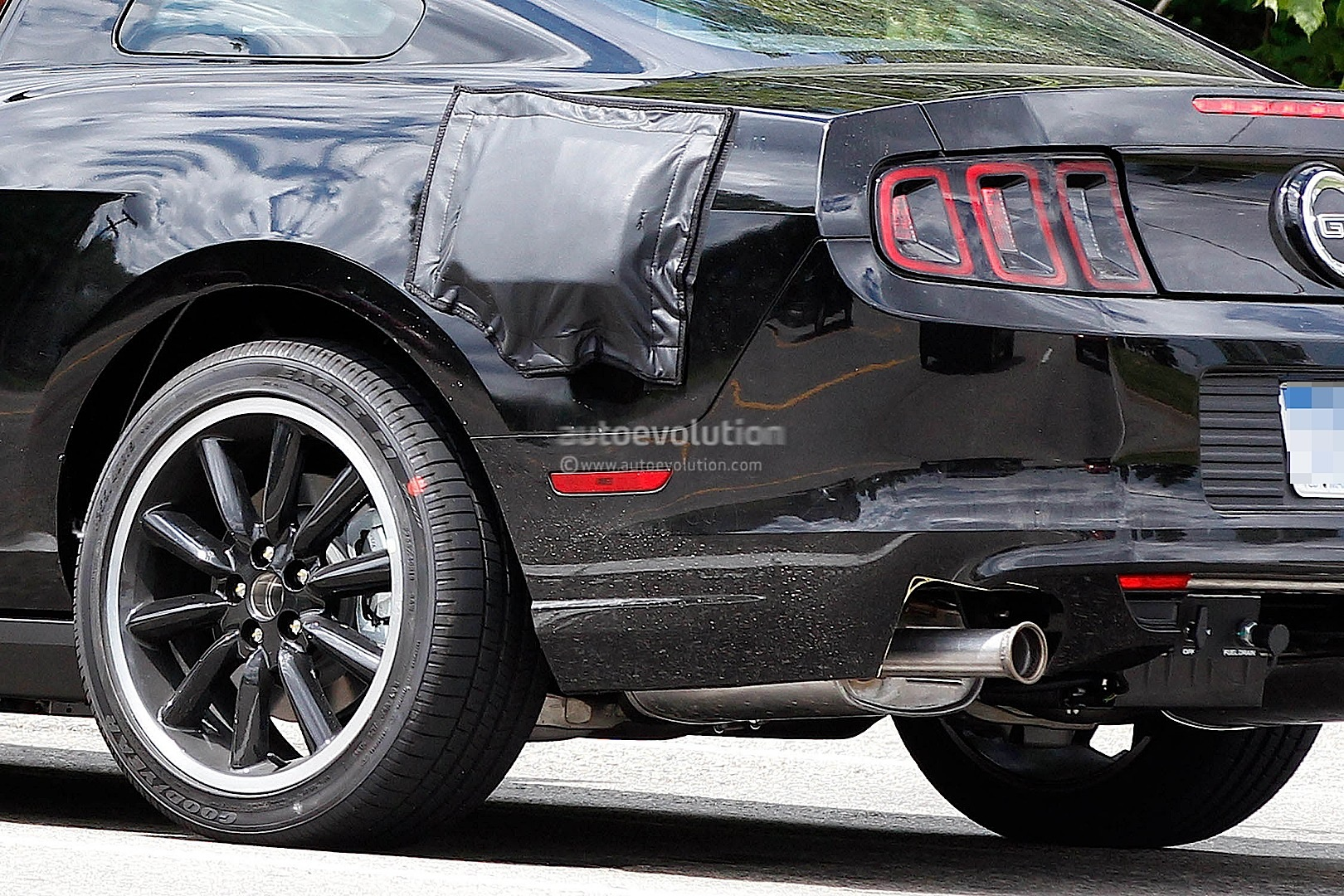 2015 Ford Mustang Test Mule Spy Shots #2/6