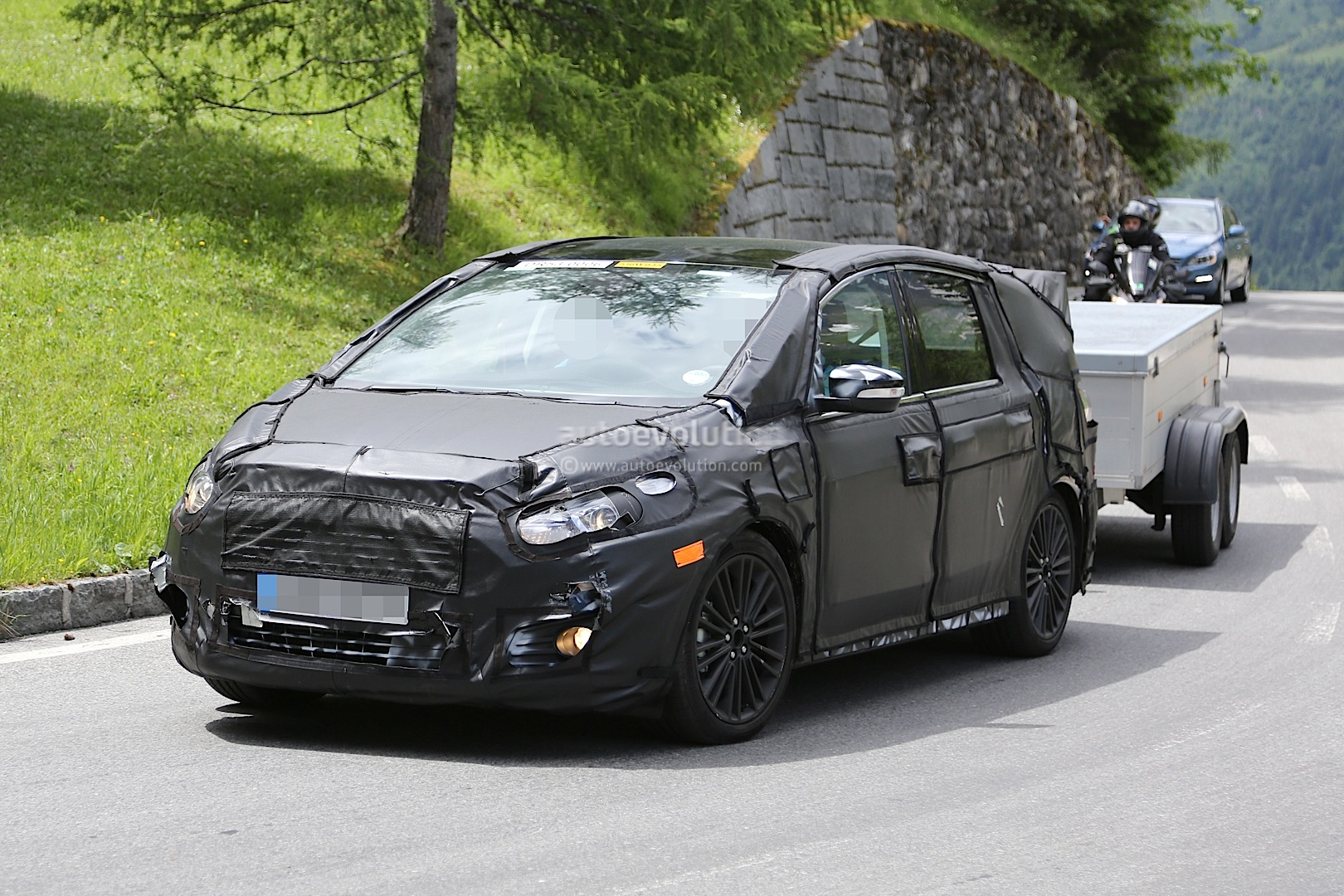 2015 ford s max reveals itself bit by bit autoevolution. Black Bedroom Furniture Sets. Home Design Ideas