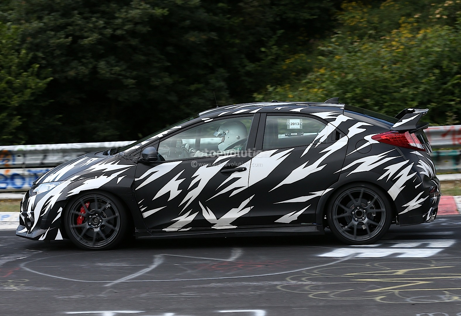 spyshots 2015 honda civic type r nurburgring testing autoevolution. Black Bedroom Furniture Sets. Home Design Ideas
