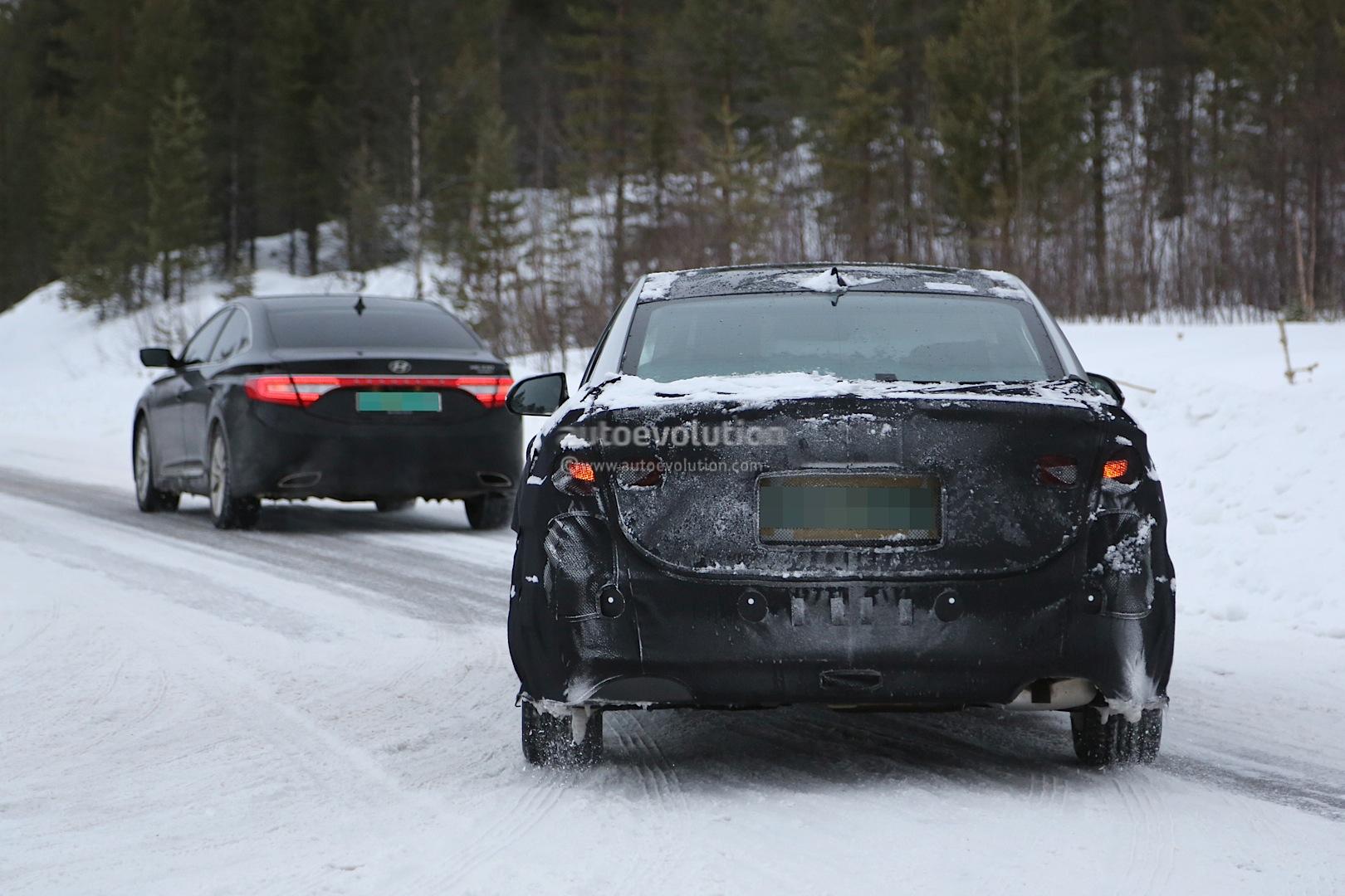 Spyshots: 2015 Hyundai Sonata Photos Show Hybrid Model for ...