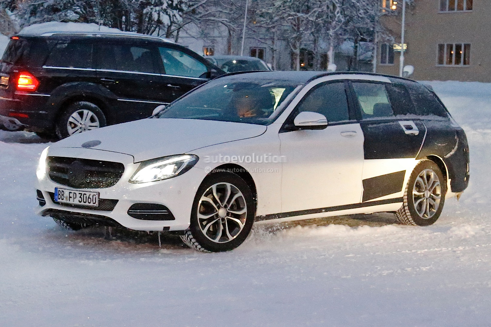 Spyshots 2015 Mercedes C Class Estate Winter Testing
