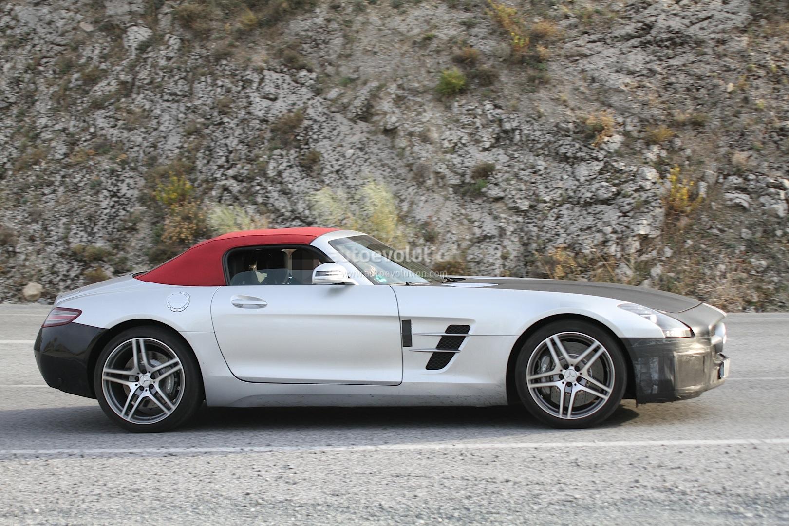 Spyshots 2015 mercedes sls amg facelift autoevolution for 2015 mercedes benz sls amg convertible