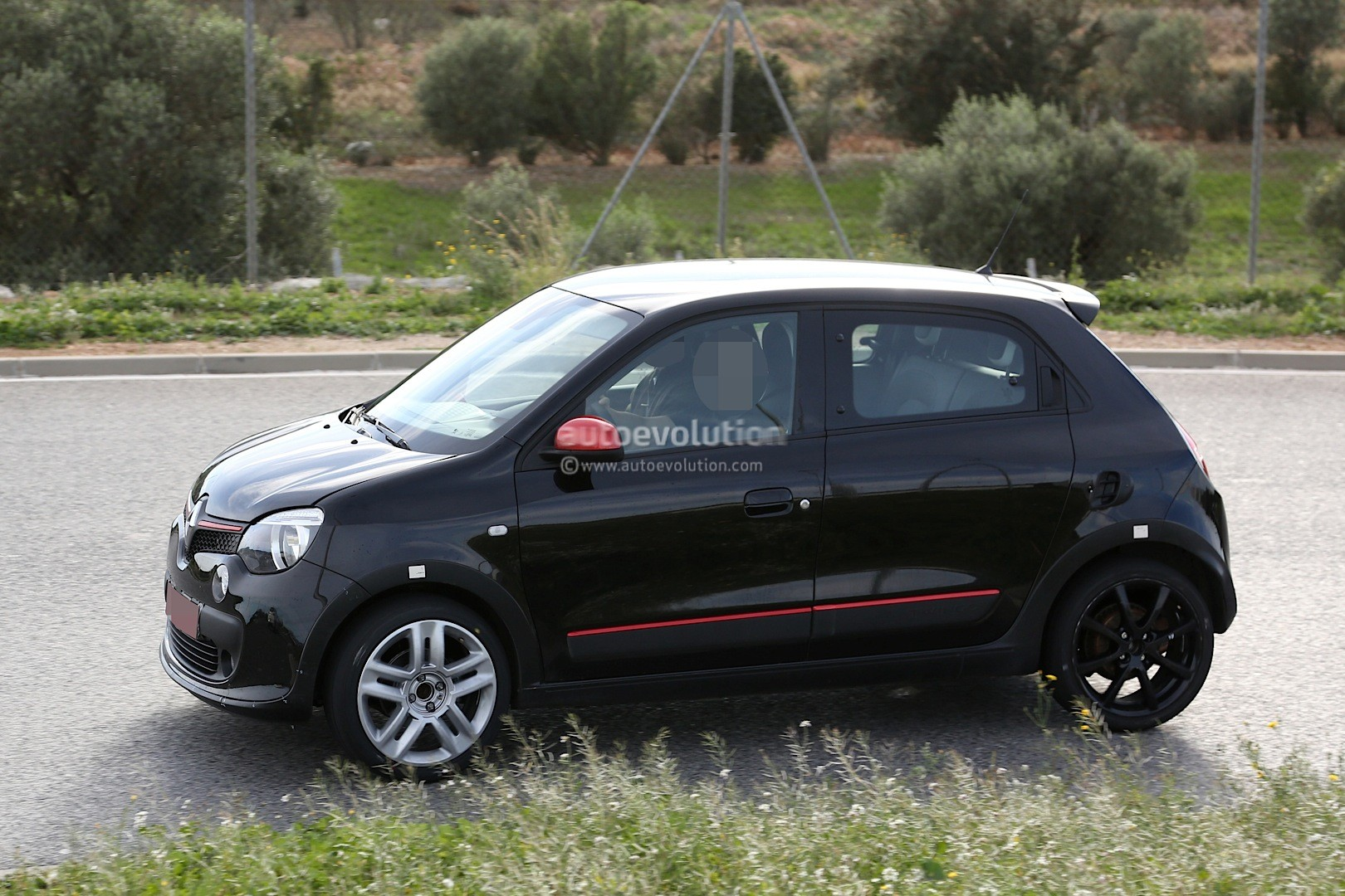 spyshots 2015 renault twingo rs shows new details autoevolution. Black Bedroom Furniture Sets. Home Design Ideas