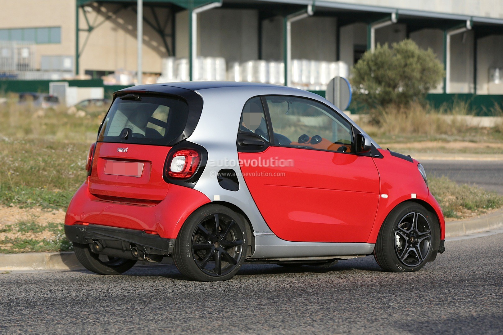 Spyshots 2015 Smart Fortwo Brabus Looks Hot Autoevolution