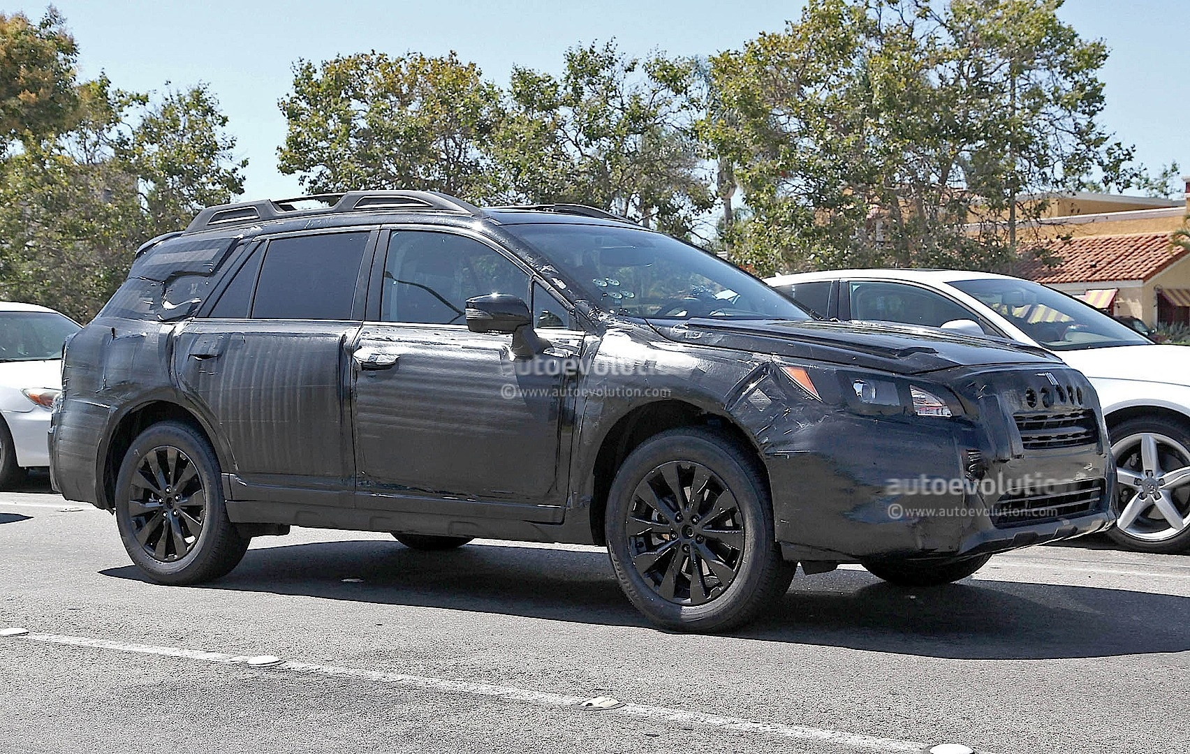 2015 Subaru Outback - Photo #2
