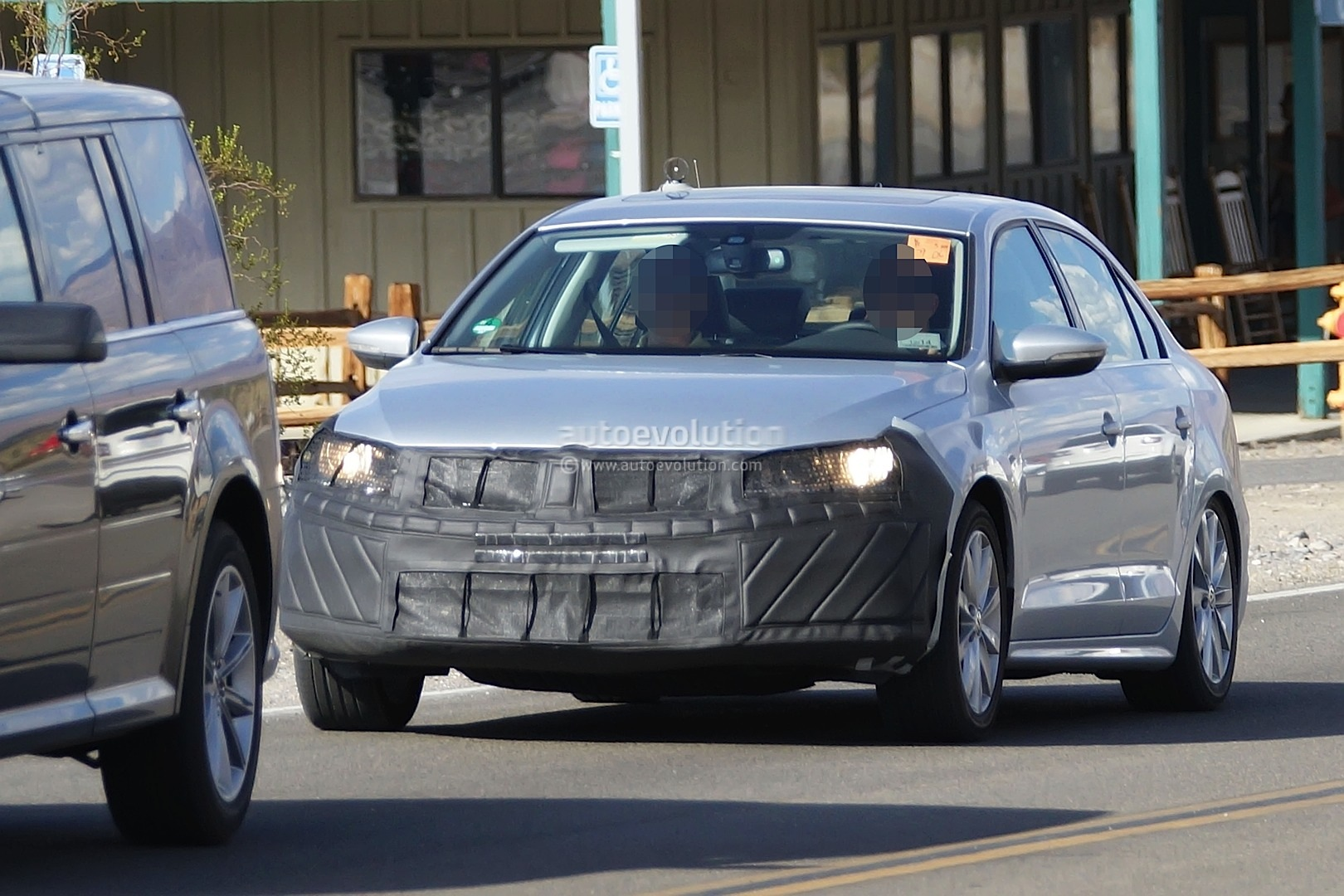 Spyshots: 2015 Volkswagen Jetta Facelift - photo gallery