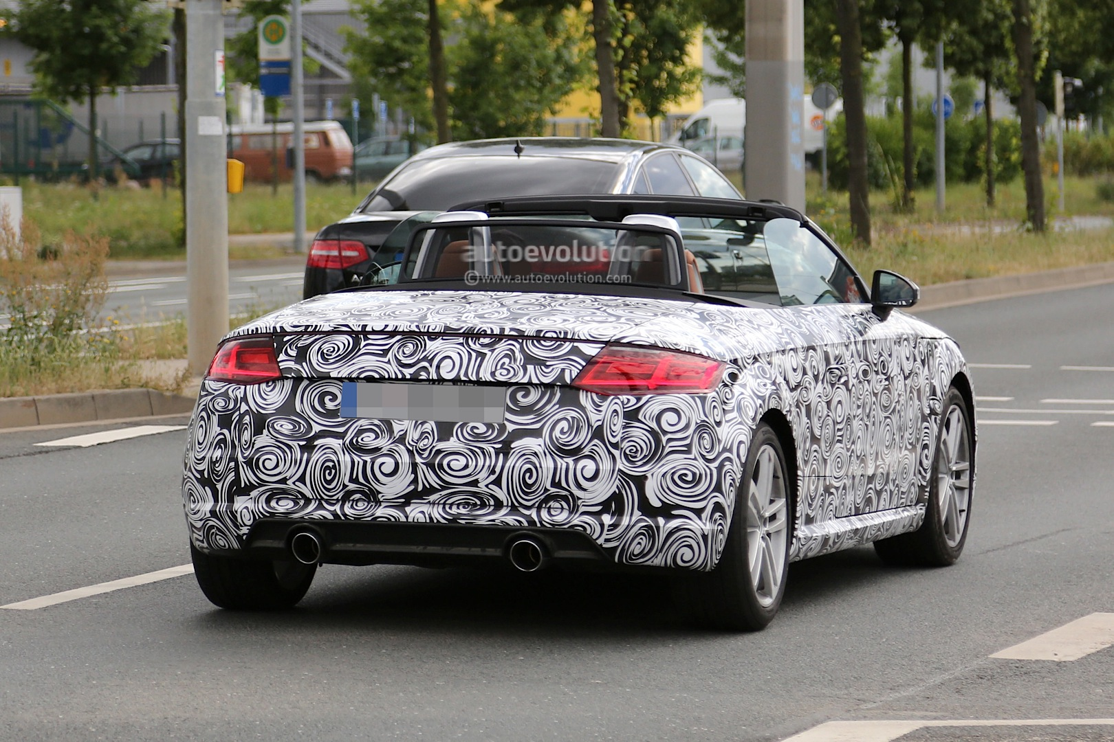 spyshots 2016 audi tt roadster first photos autoevolution. Black Bedroom Furniture Sets. Home Design Ideas
