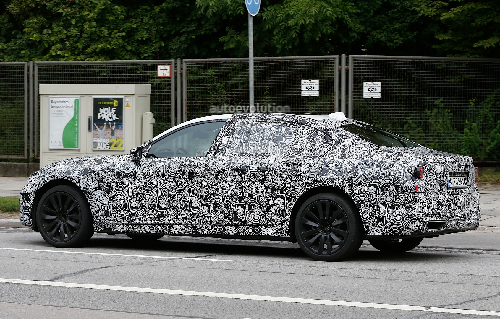 spyshots-2016-bmw-7-series-g11-to-receive-new-engines-and-headlight-design-video_4.jpg