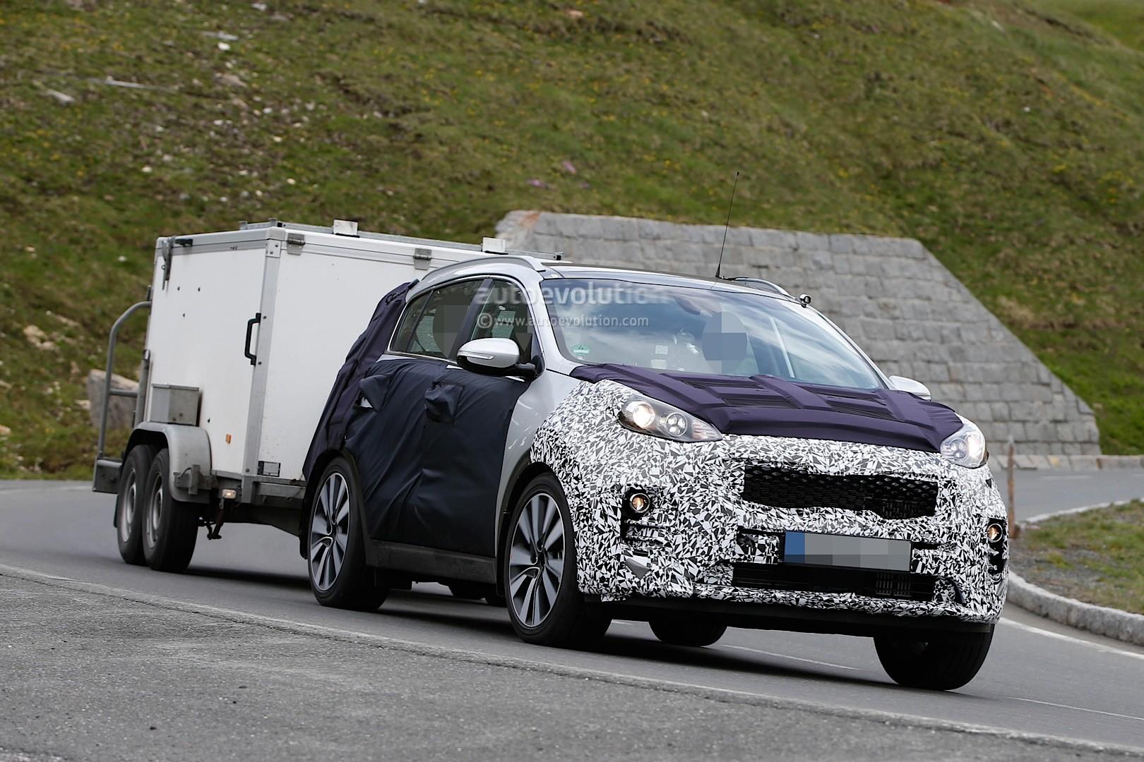 Spyshots 2016 Kia Sportage Interior And New Headlight