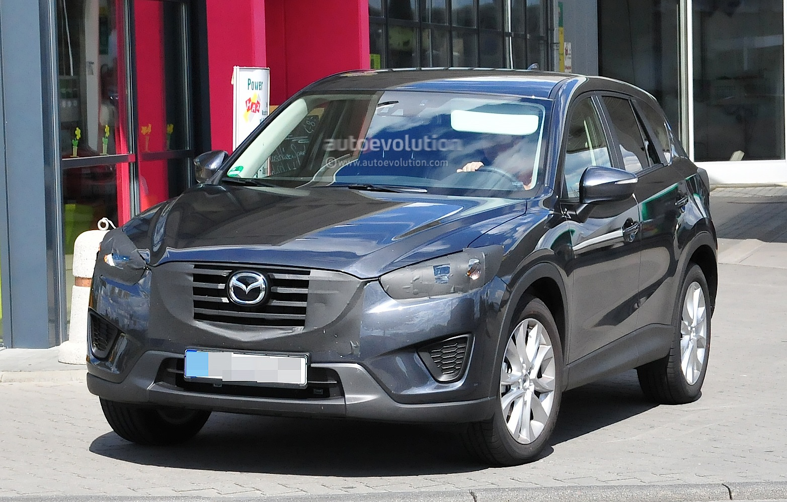 spyshots 2016 mazda cx 5 facelift autoevolution. Black Bedroom Furniture Sets. Home Design Ideas