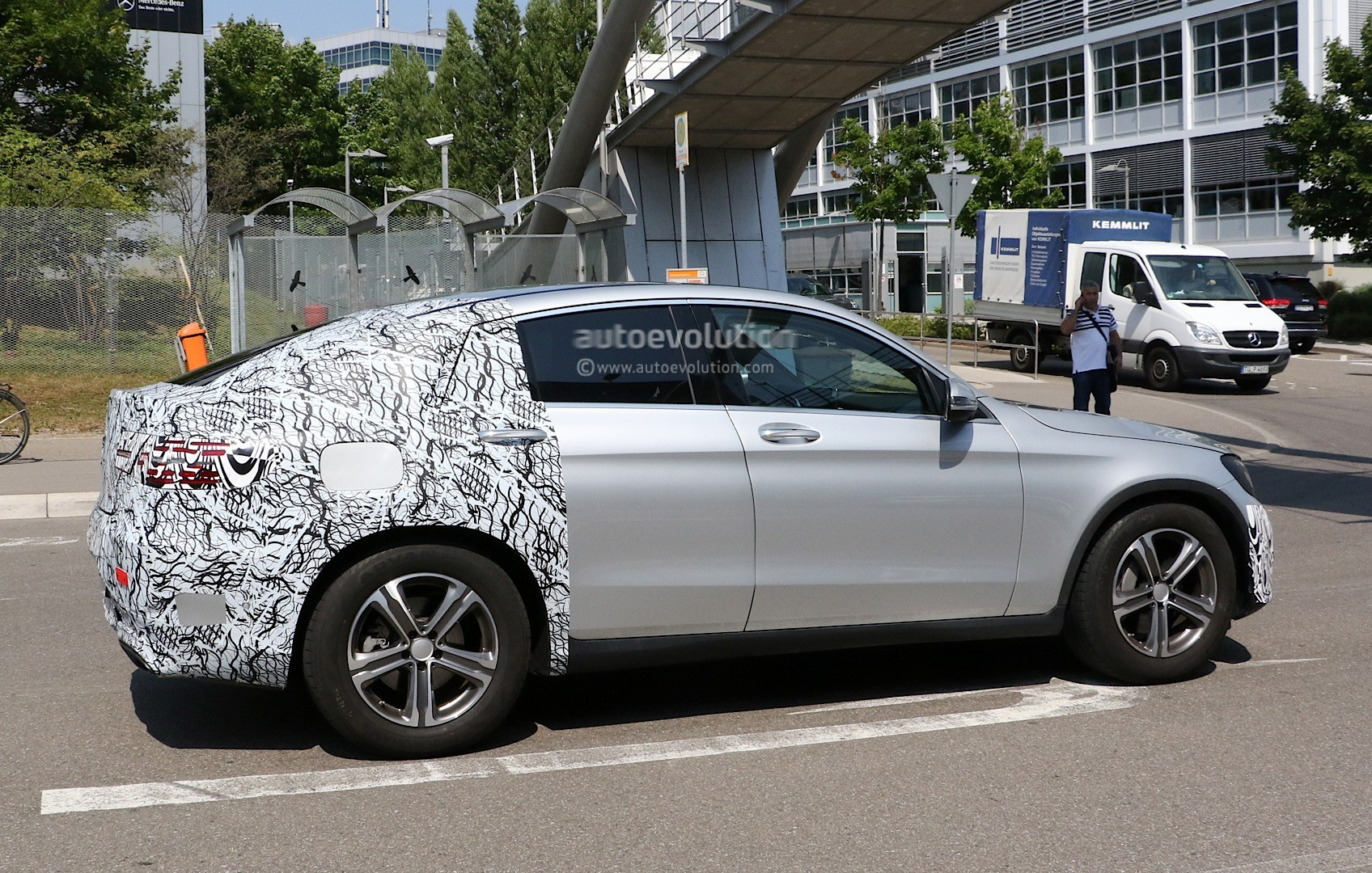 Spyshots 2016 mercedes glc coupe looks ready to take on for 2014 mercedes benz glc
