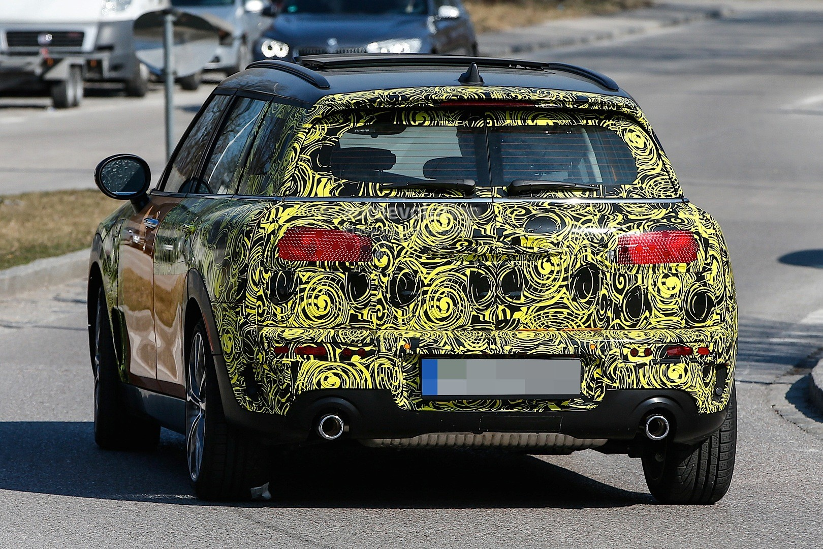 2015 - [Mini] Mini IV Clubman [F54] - Page 13 Spyshots-2016-mini-clubman-spied-in-jcw-look-and-cooper-s-guises_8