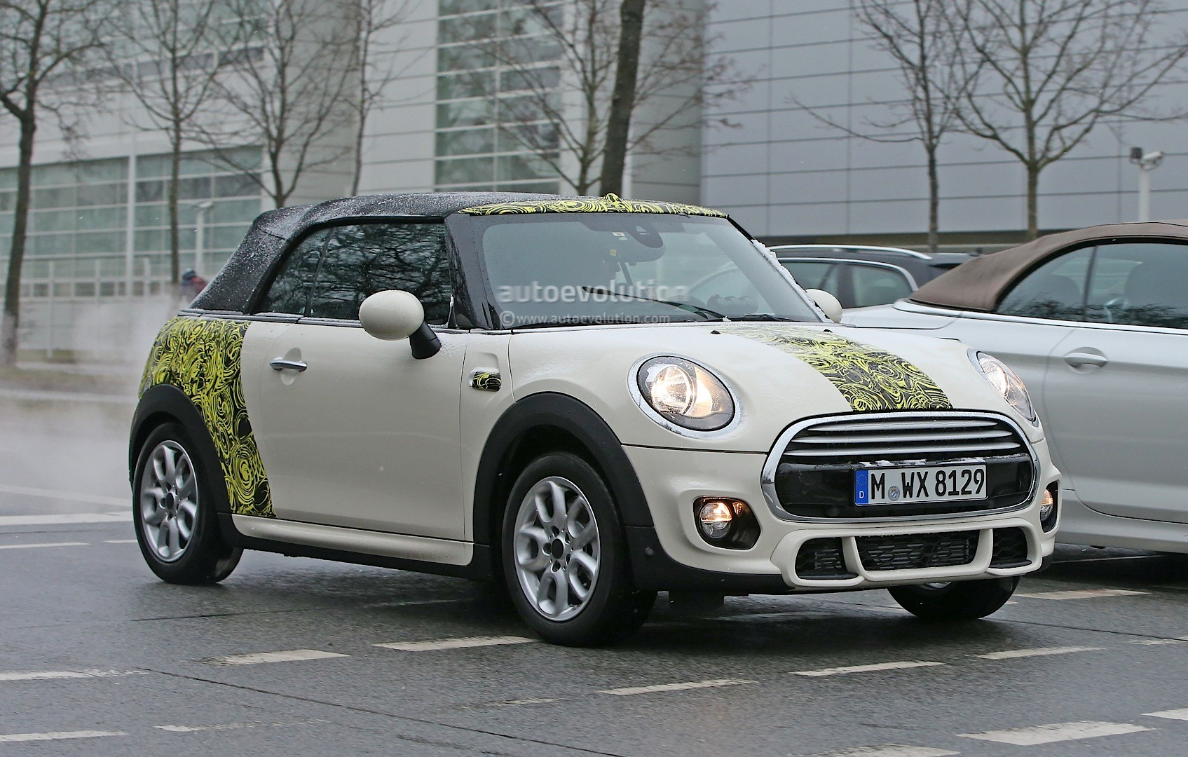 spyshots 2016 mini cooper convertible spied with minimal. Black Bedroom Furniture Sets. Home Design Ideas