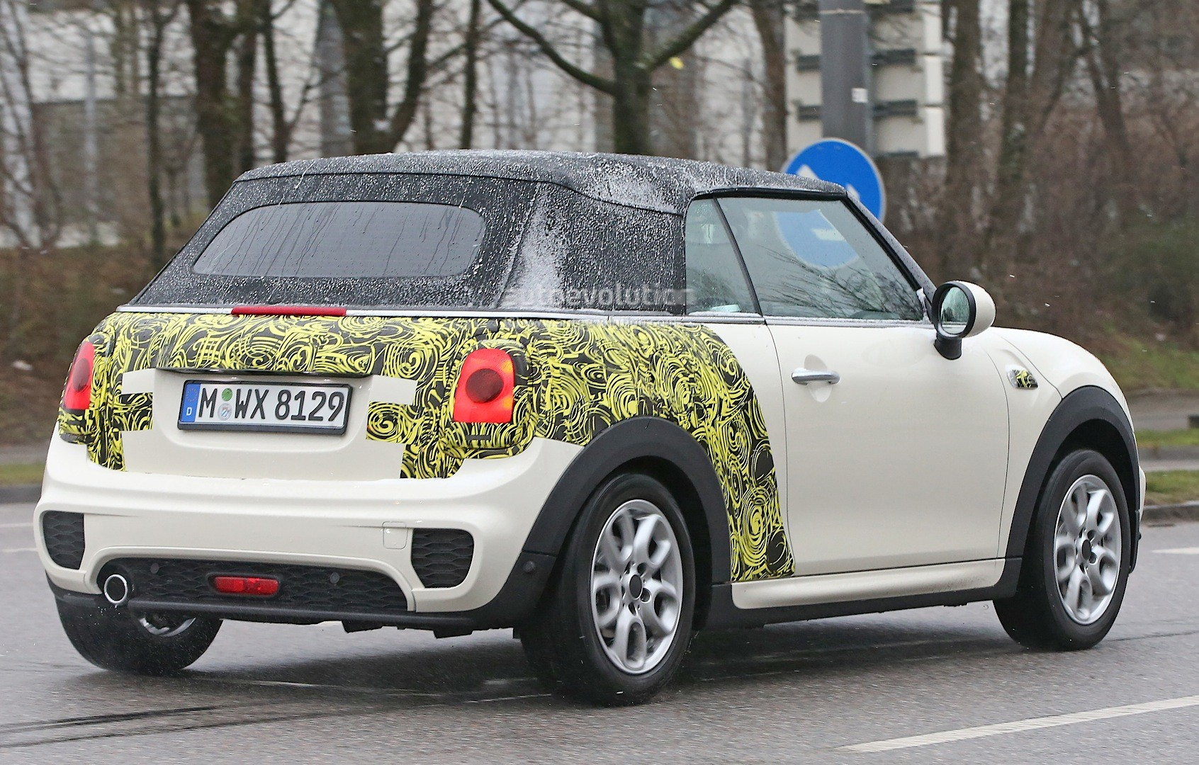 2016 Mini Cooper Convertible Spied With Minimal Camouflage
