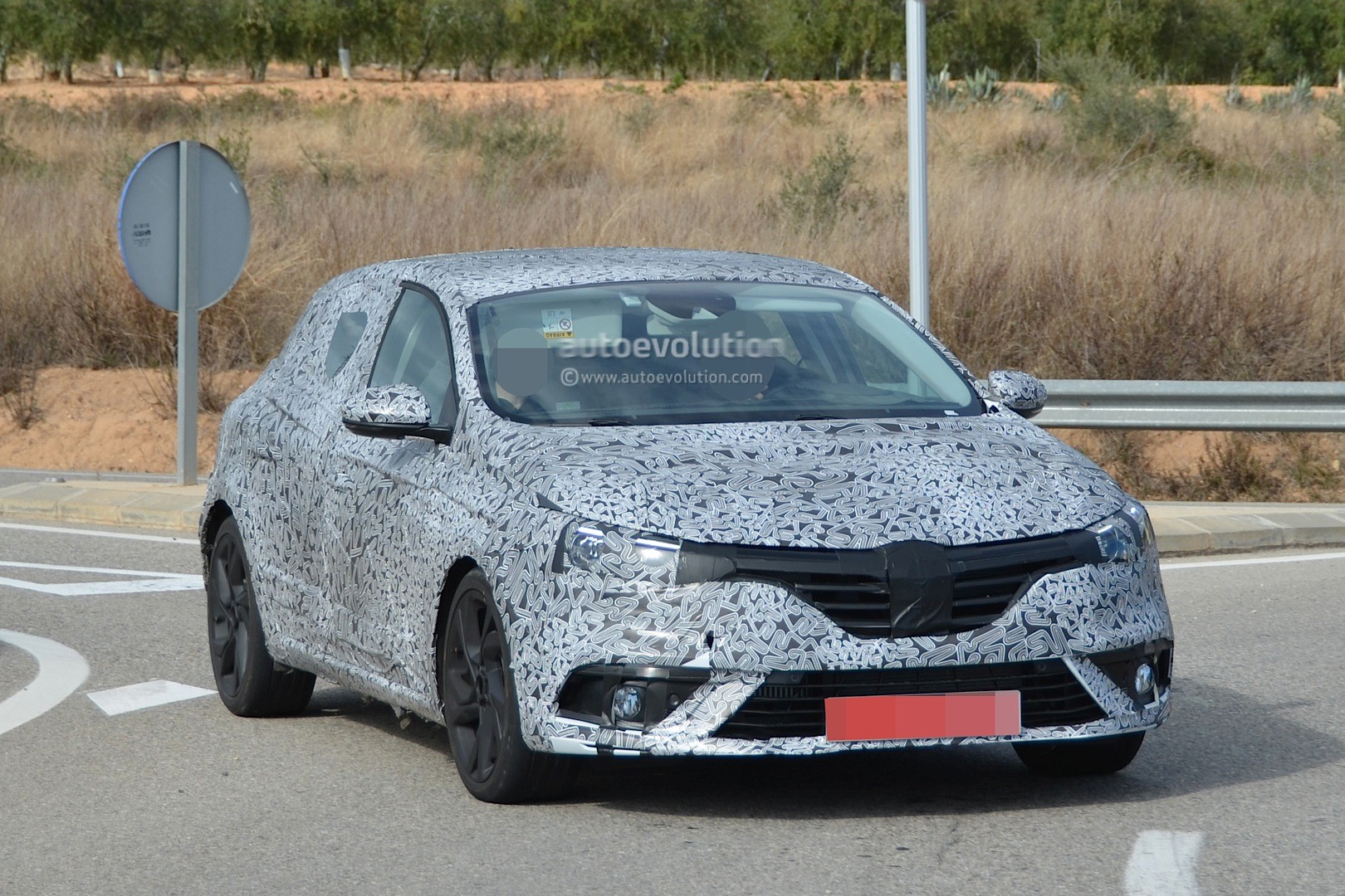 spyshots 2016 renault megane shows brand new design and. Black Bedroom Furniture Sets. Home Design Ideas