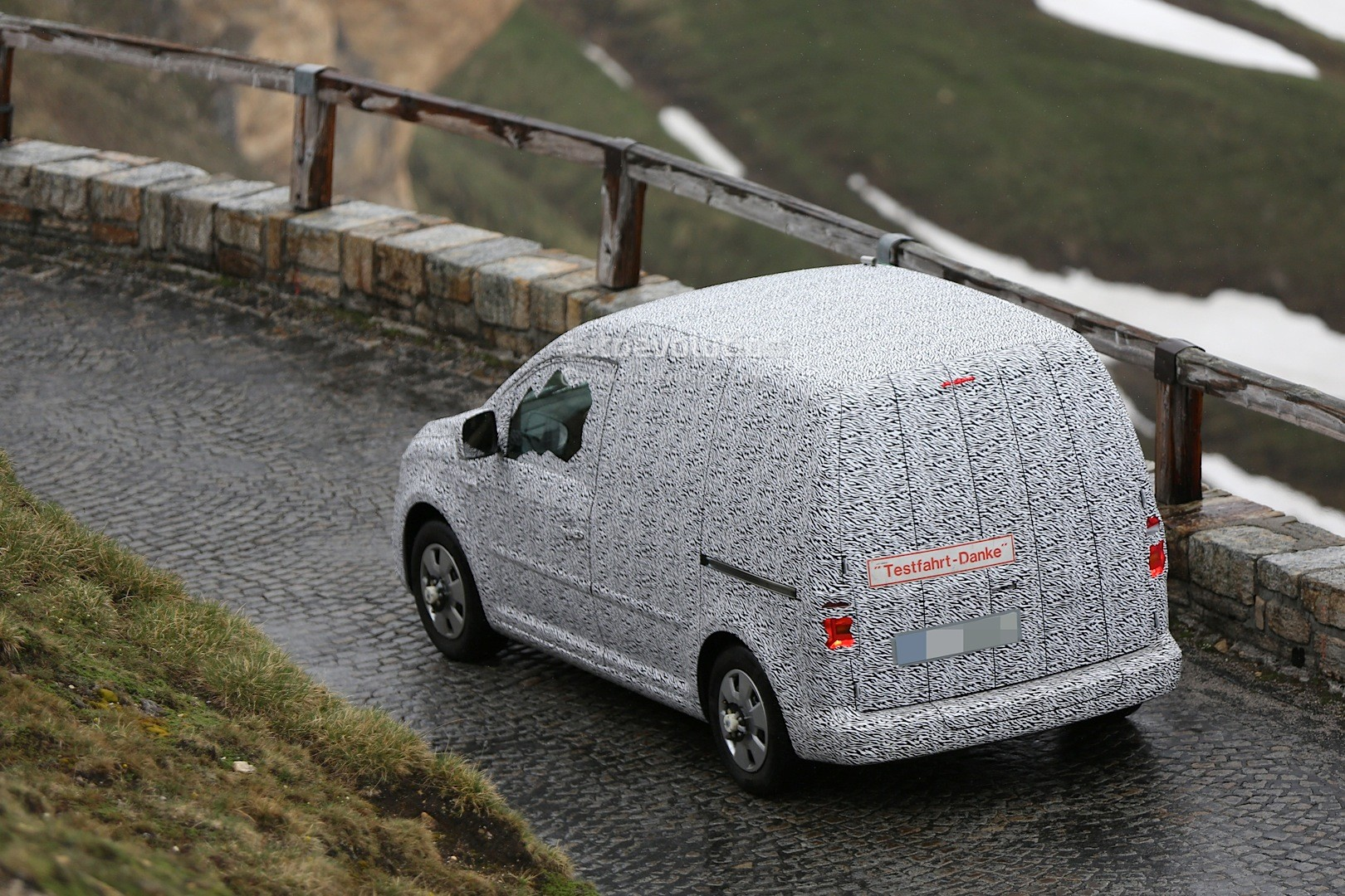 skoda roomster mpv photo gallery Car Pictures