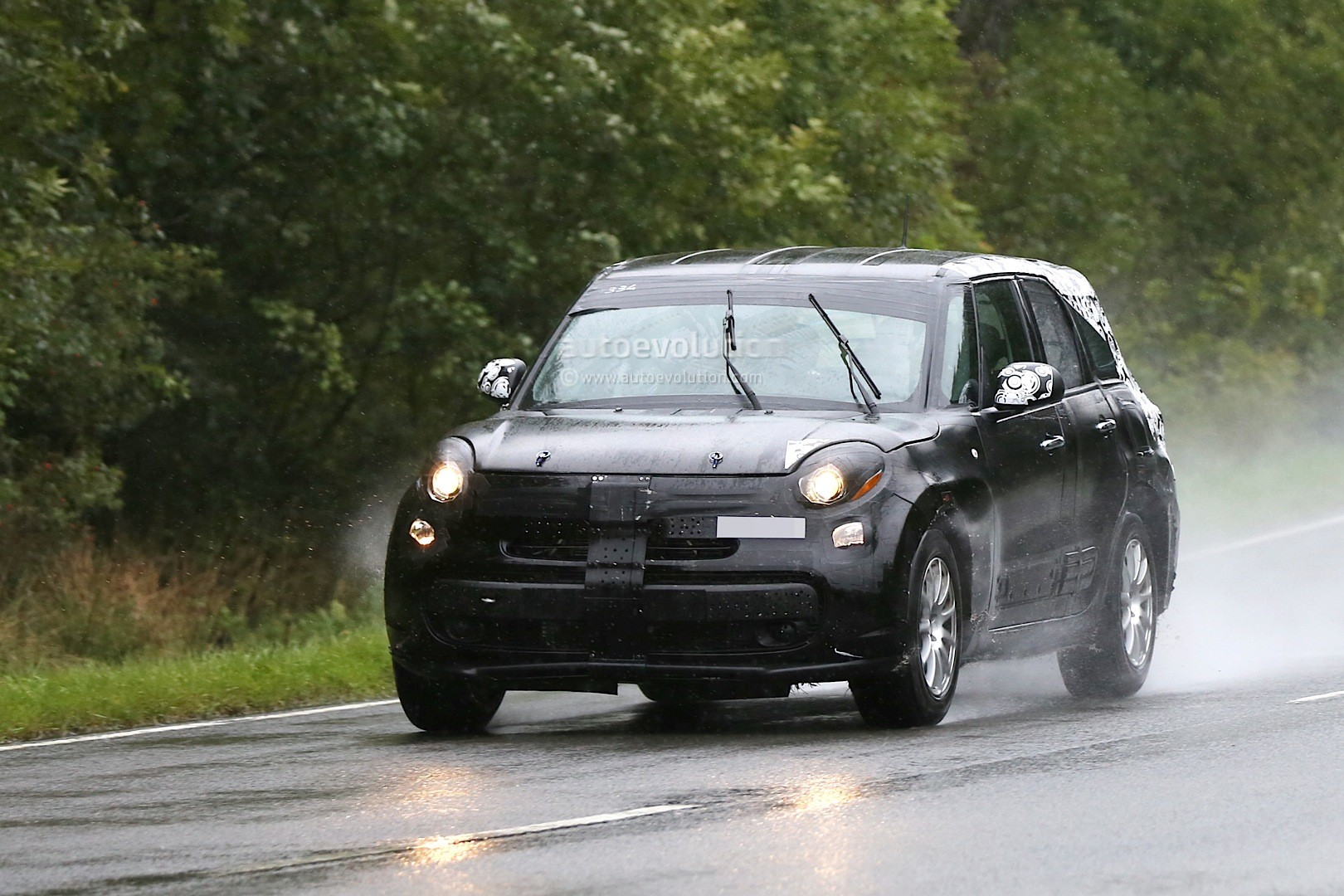 spyshots 2017 alfa romeo suv chassis testing mule spied in germany autoevolution. Black Bedroom Furniture Sets. Home Design Ideas
