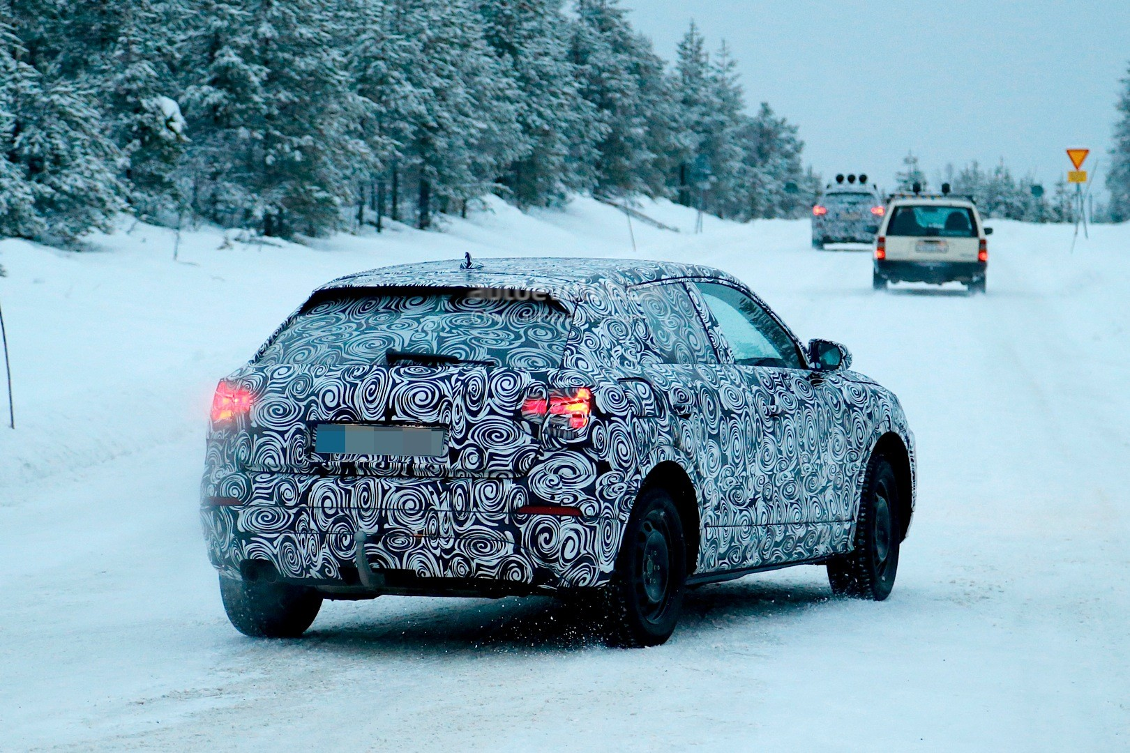 spyshots-2017-audi-q2-begins-winter-testing-with-fwd-and-awd_2