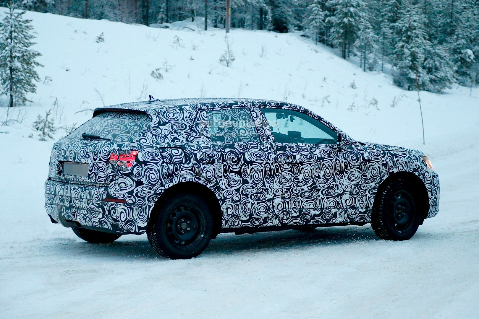 spyshots-2017-audi-q2-begins-winter-testing-with-fwd-and-awd_3