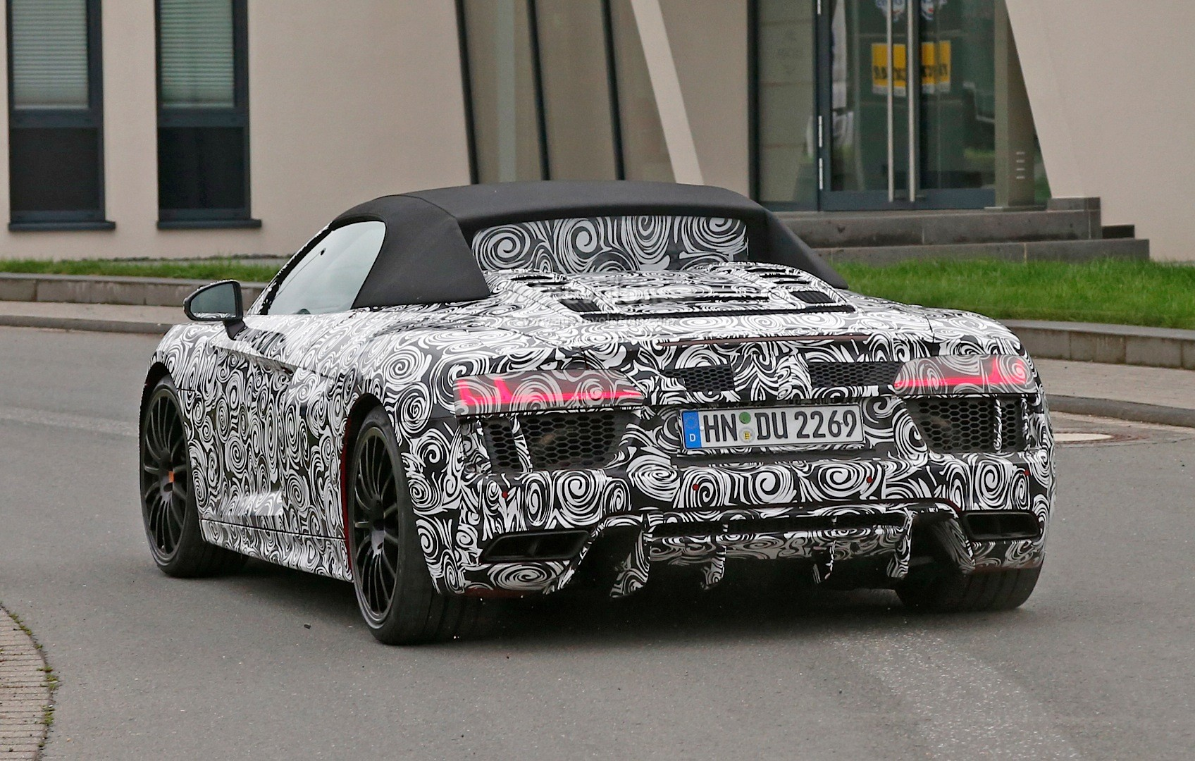 Spyshots Audi R V Spyder Spied For The First Time - Audi r8 v10 spyder