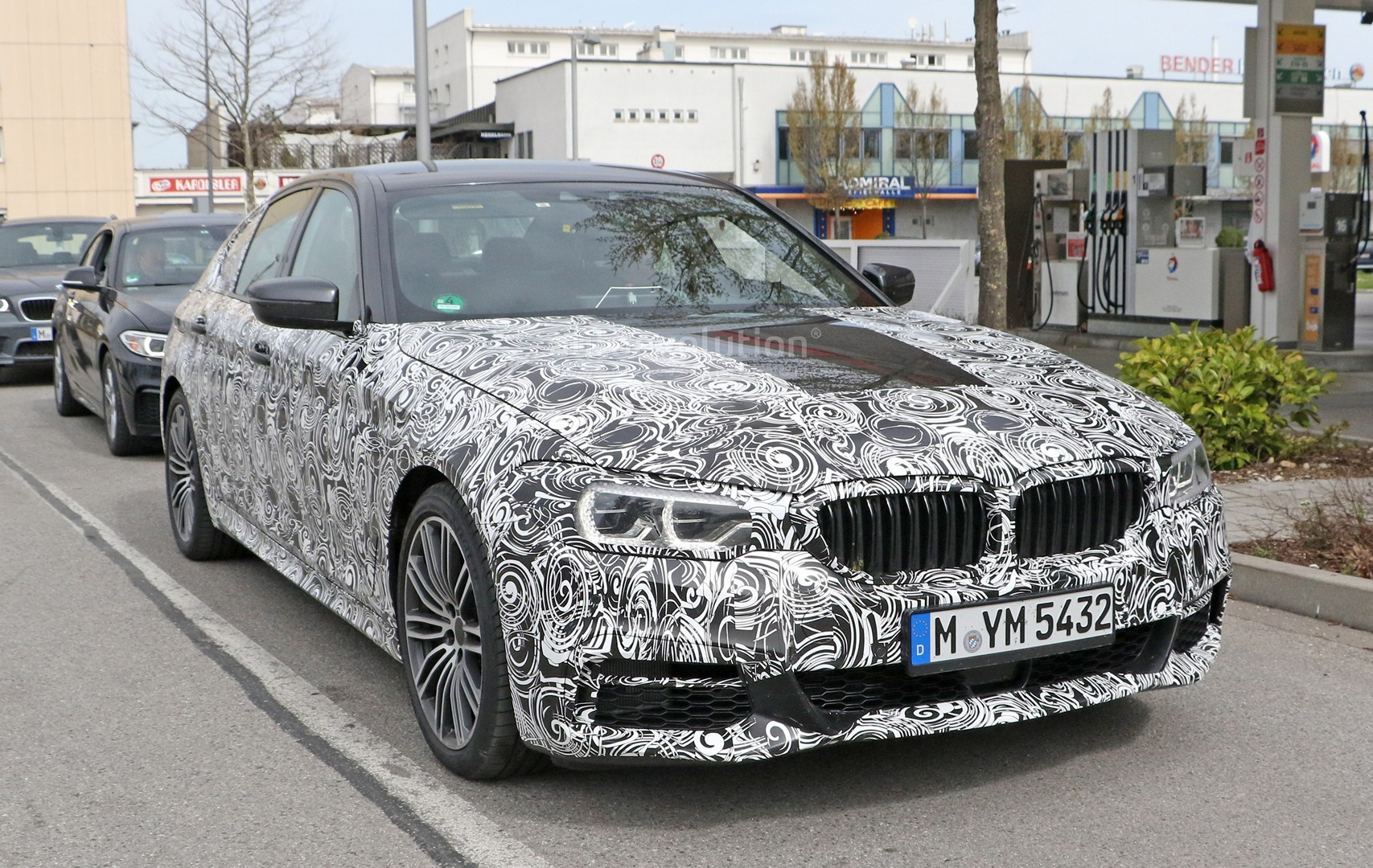 spyshots 2017 bmw 5 series shows front bumper m sport pack and interior autoevolution. Black Bedroom Furniture Sets. Home Design Ideas