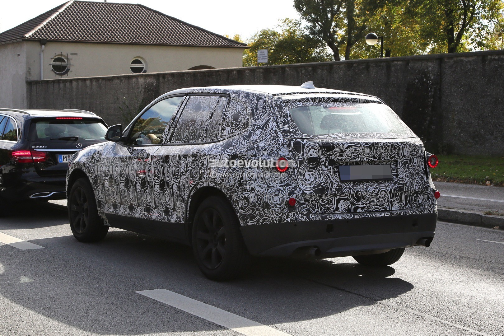spyshots-2​017-bmw-x3​-rolls-int​o-view-on-​public-roa​ds-for-the​-first-tim​e_7