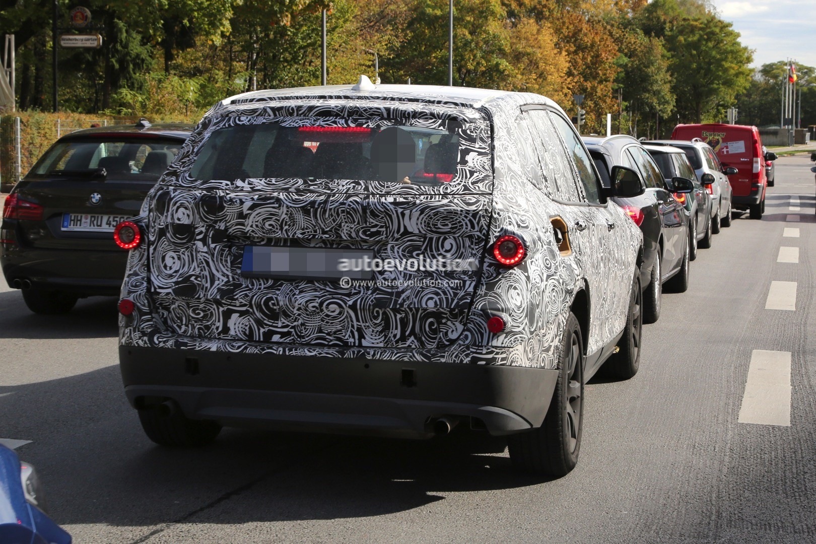 2016 - [BMW] X3 [G01] - Page 3 Spyshots-2017-bmw-x3-rolls-into-view-on-public-roads-for-the-first-time_9