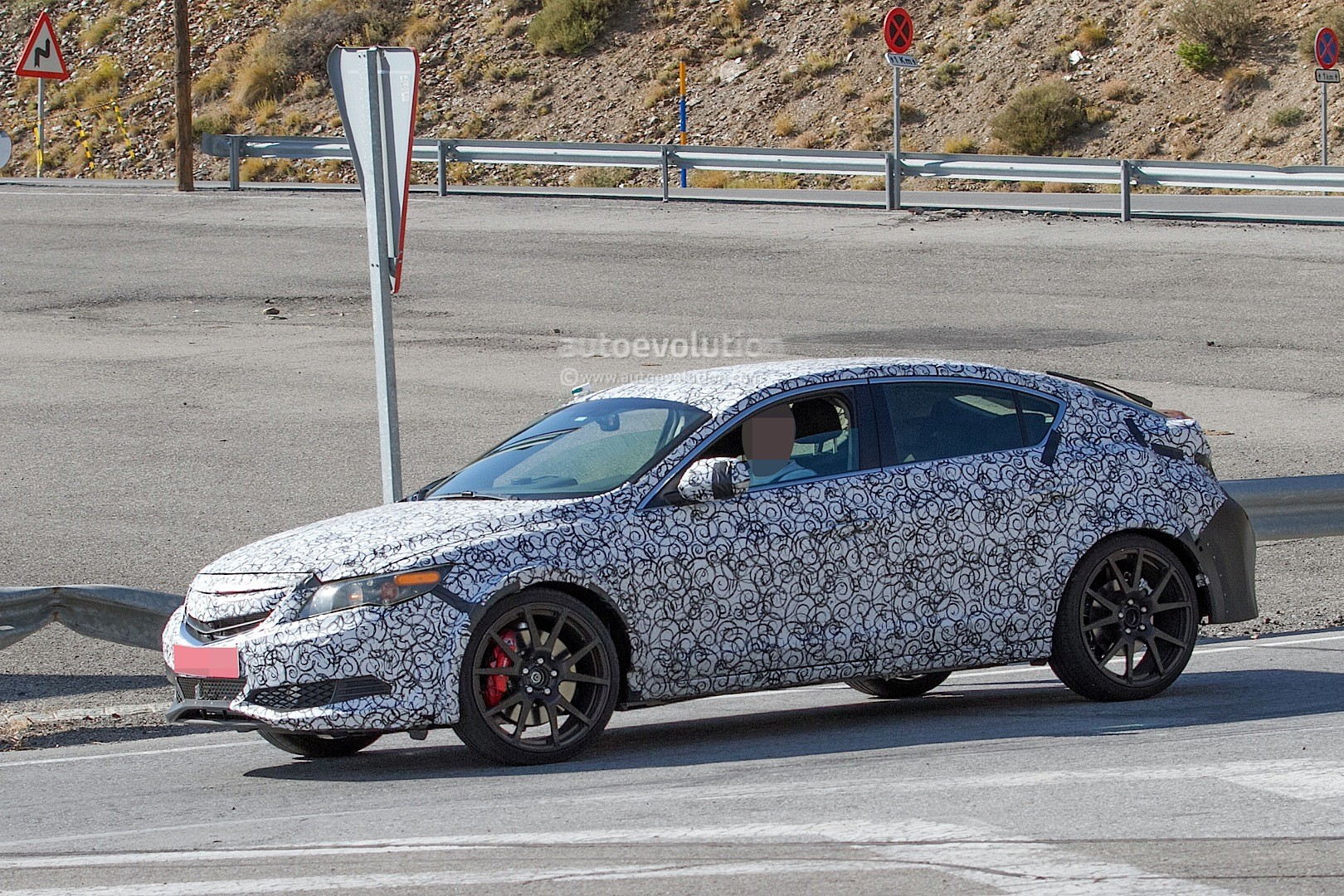 spyshots 2017 civic type r sedan spied with ferrari like exhaust in the us autoevolution. Black Bedroom Furniture Sets. Home Design Ideas