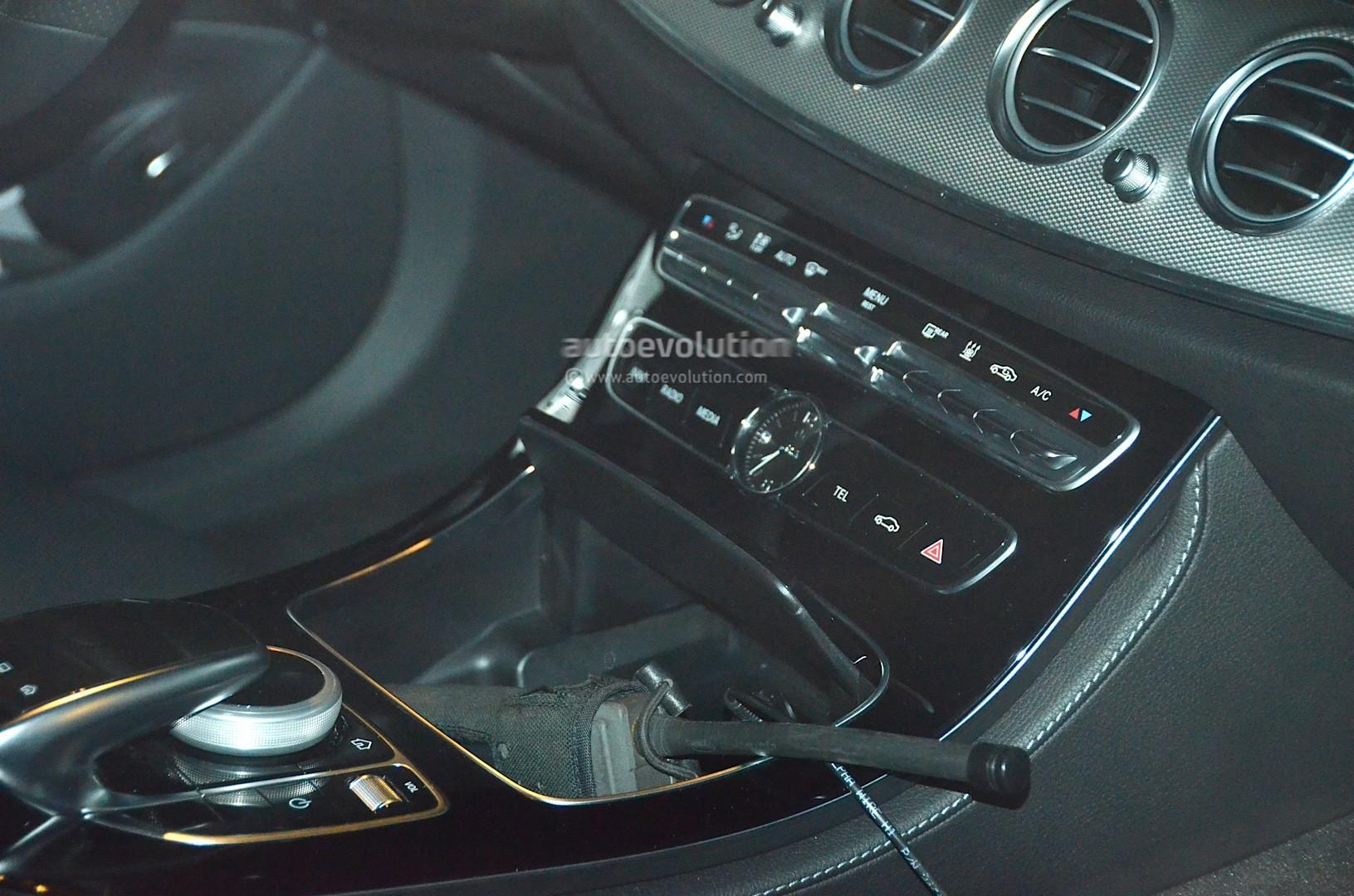 Spyshots 2017 Mercedes Benz E Class Interior Fully Revealed Ahead Of Detroit Debut Autoevolution