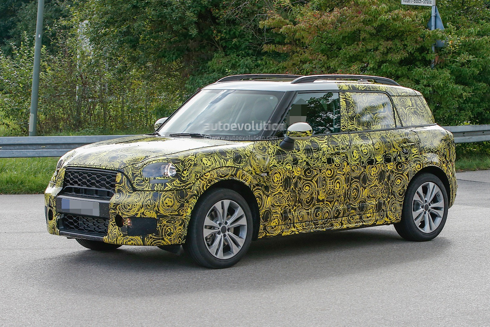 spyshots 2017 mini countryman disguise thins out shows