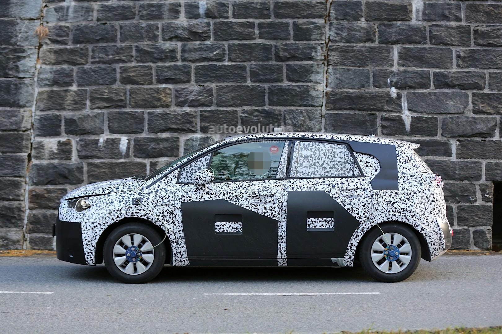 Spyshots: 2017 Opel Meriva Prototype Shows New Details - autoevolution