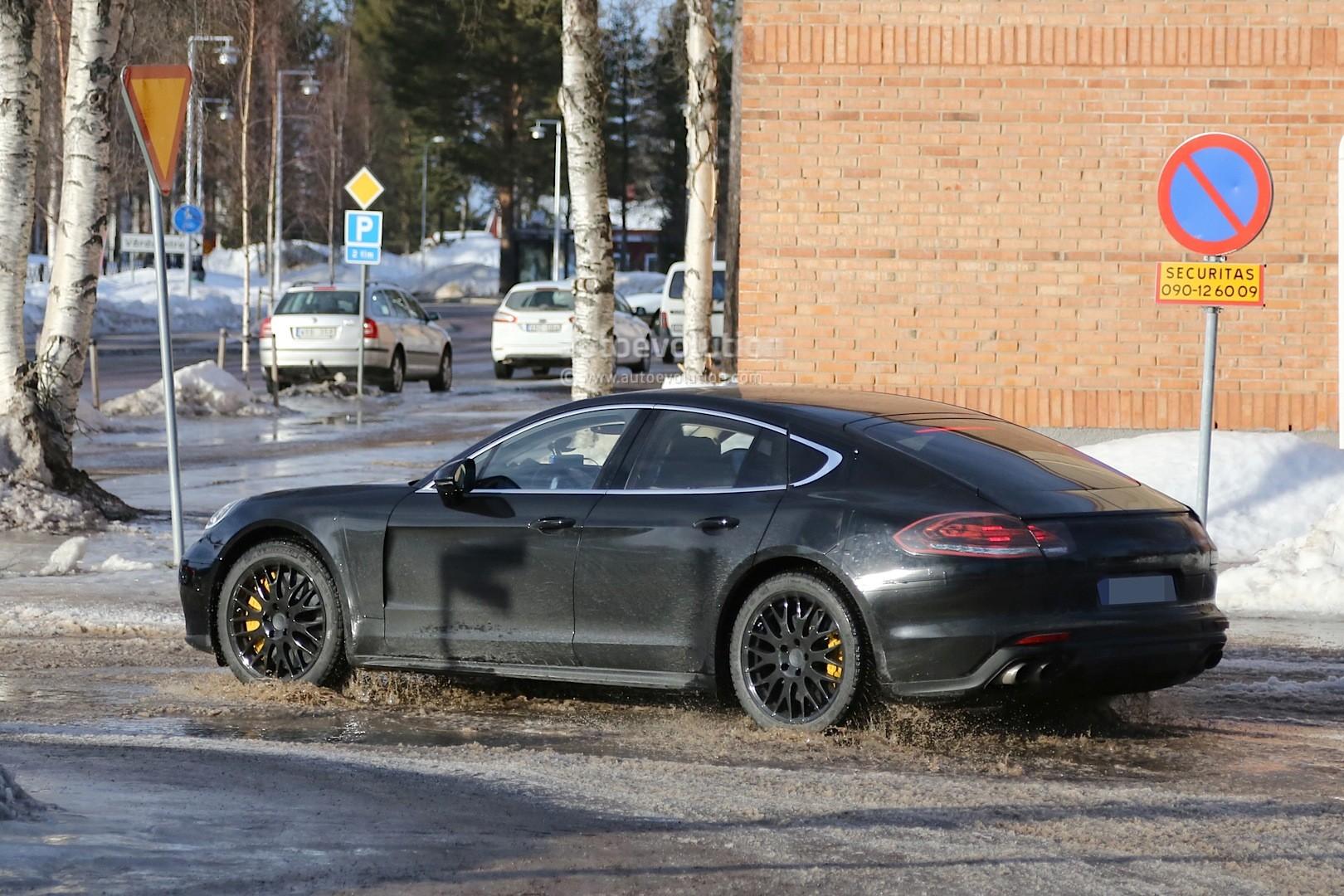 2016 - [Porsche] Panamera II - Page 3 Spyshots-2017-porsche-panamera-first-interior-photos-show-big-changes_18