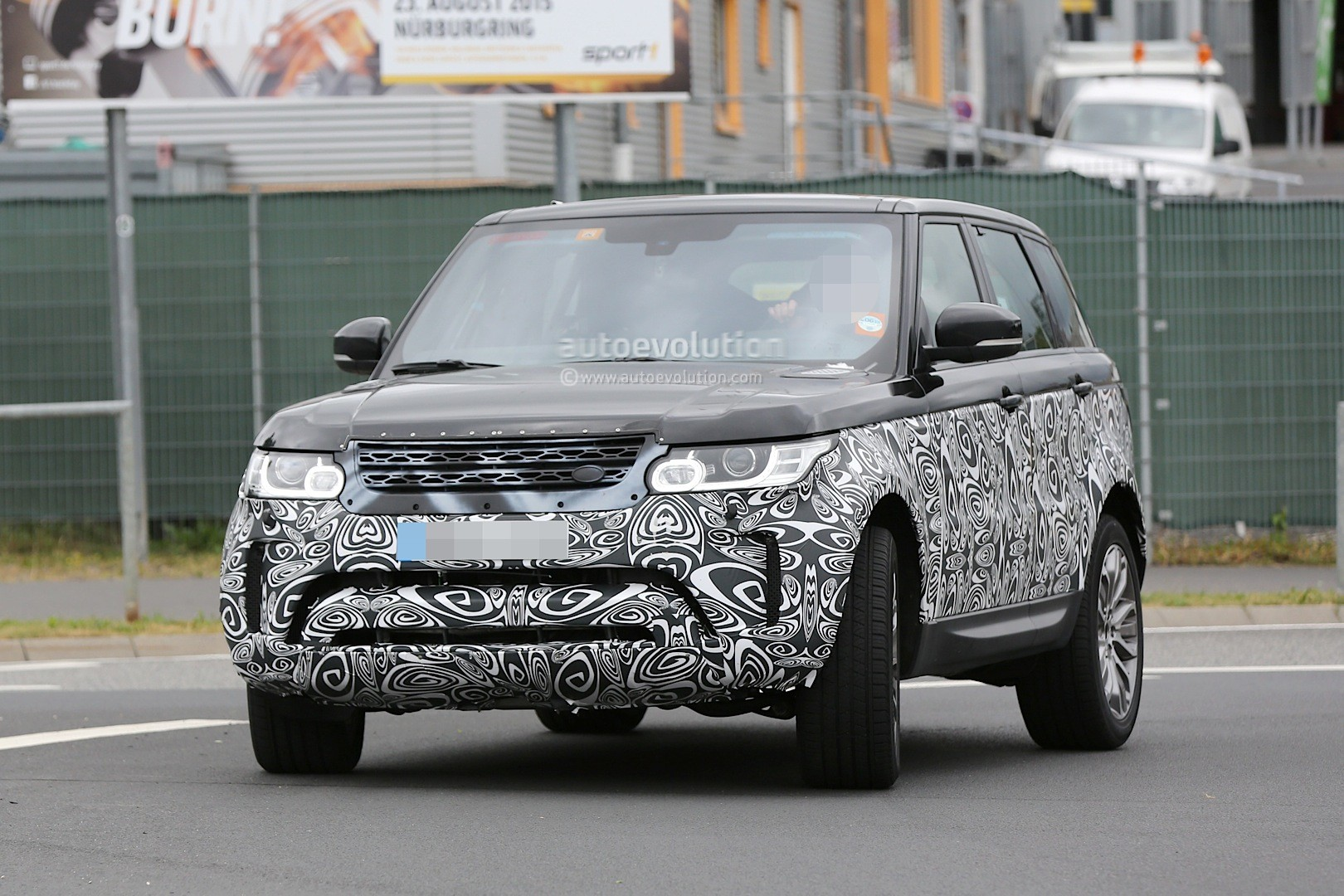 spyshots 2017 range rover sport first photos autoevolution. Black Bedroom Furniture Sets. Home Design Ideas