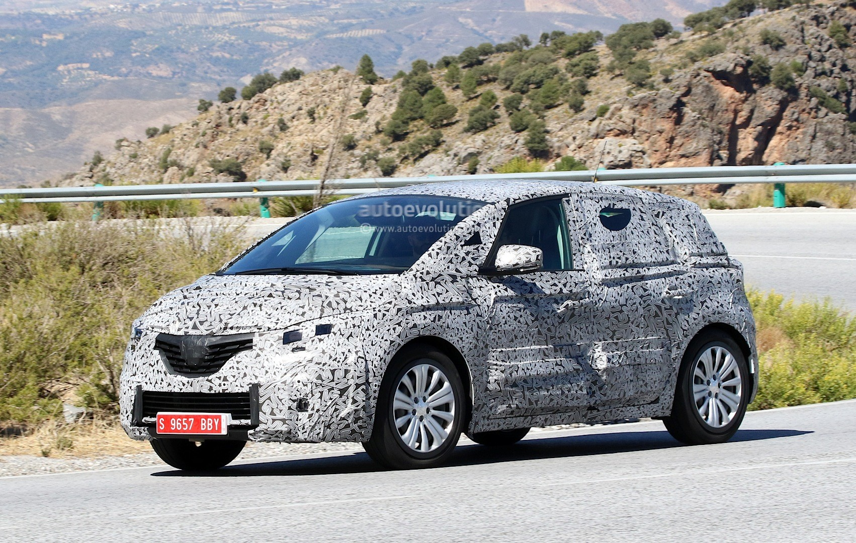 spyshots 2017 renault scenic production model seen for the first time autoevolution. Black Bedroom Furniture Sets. Home Design Ideas