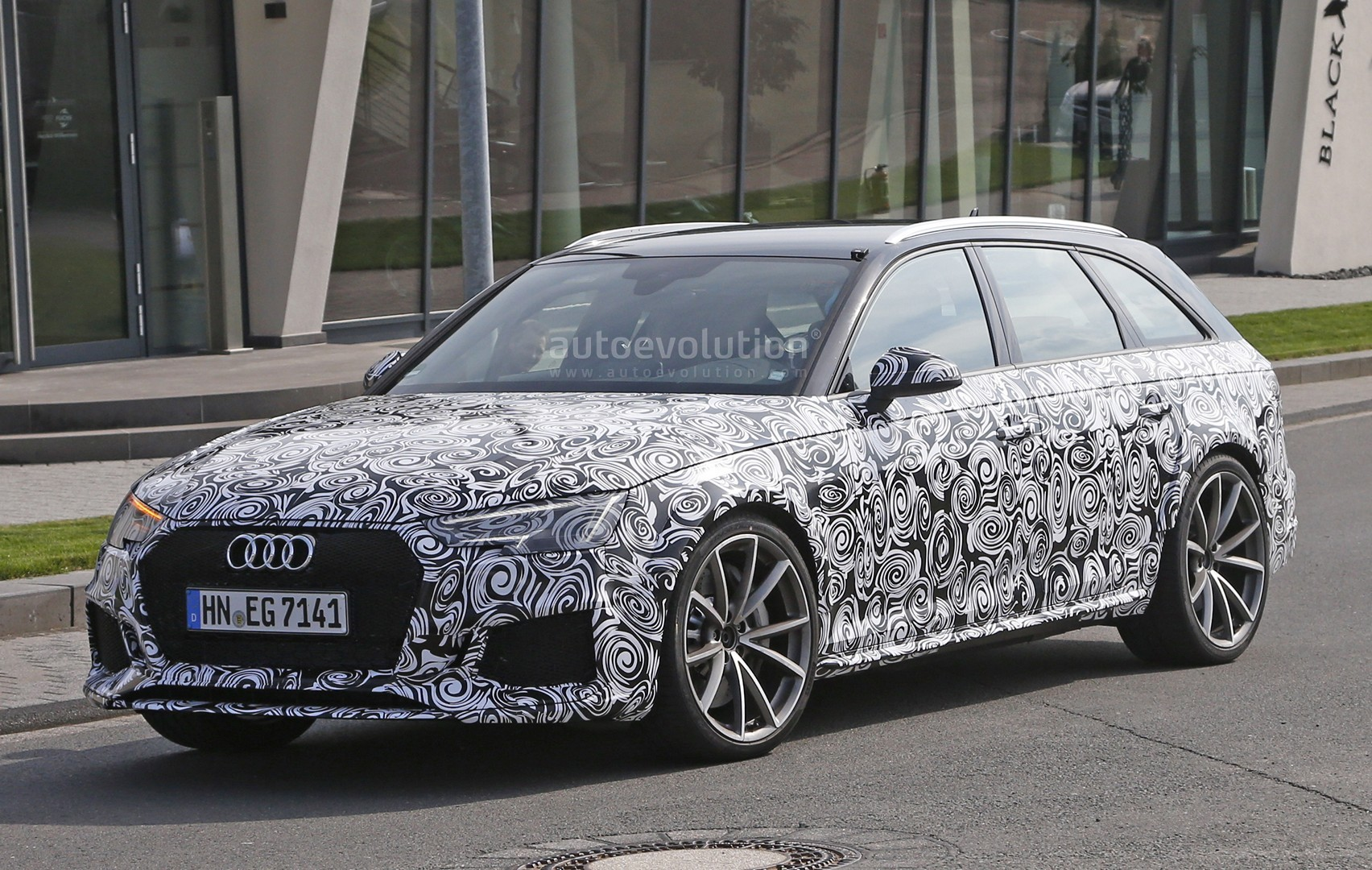 Spyshots Audi Rs Avant Prototype Looks Very Muscular