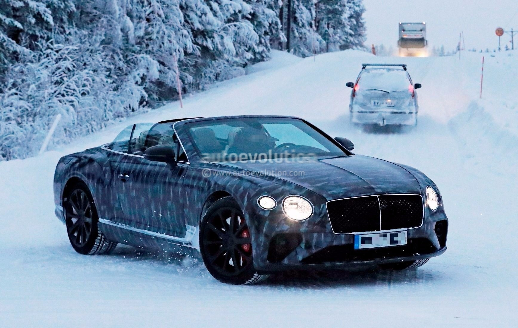 Spyshots 2018 Bentley Continental Gtc Enjoys Winter With