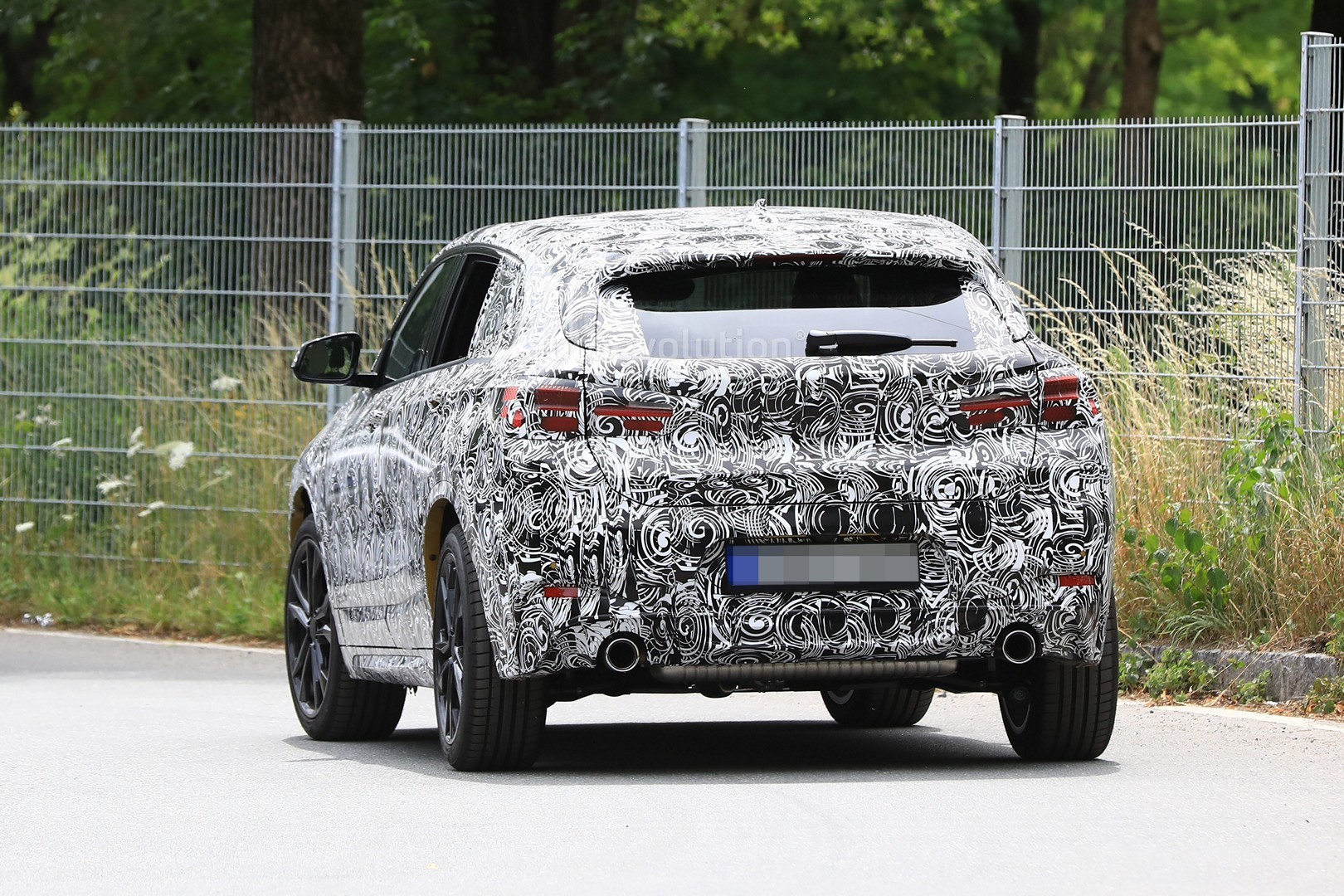 2017 - [BMW] X2 [F39] - Page 7 Spyshots-2018-bmw-x2-interior-and-front-end-design-get-shown_12