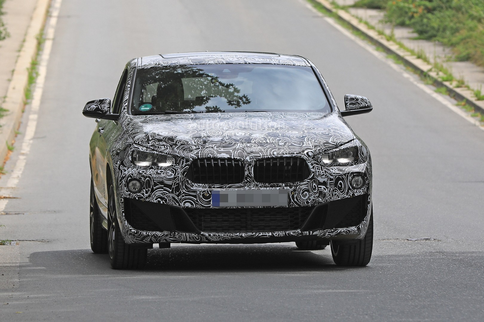 2018 bmw x2. contemporary 2018 spyshots 2018 bmw x2 interior and front end design get shown for bmw x2