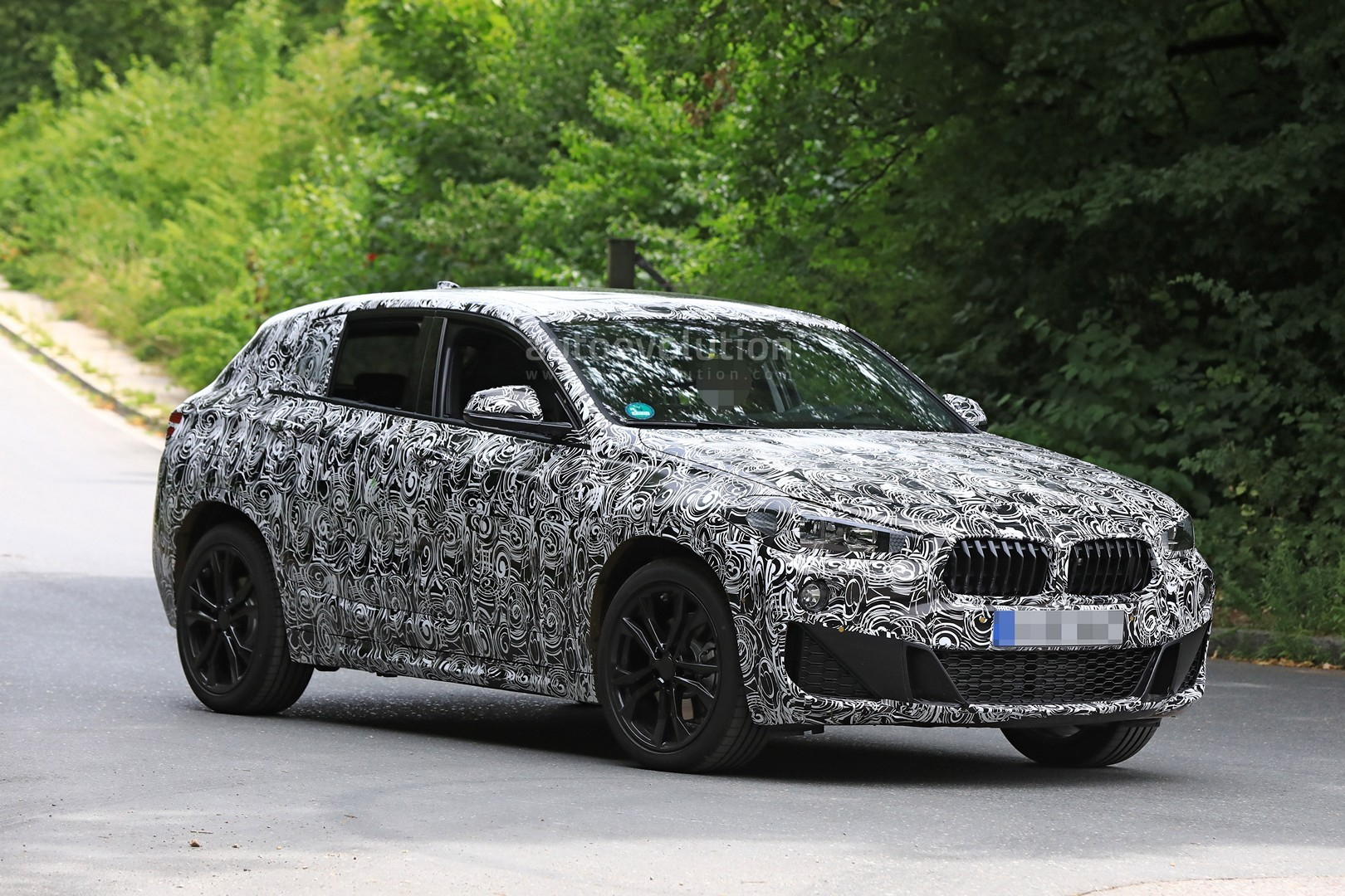 2017 - [BMW] X2 [F39] - Page 7 Spyshots-2018-bmw-x2-interior-and-front-end-design-get-shown_4