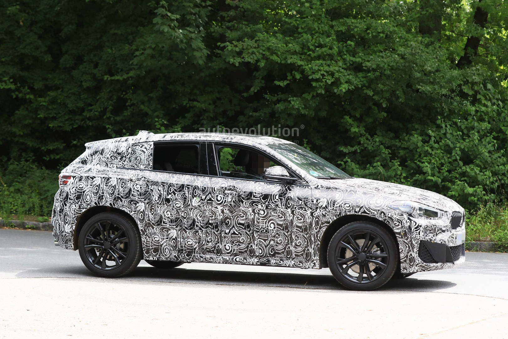 2017 - [BMW] X2 [F39] - Page 7 Spyshots-2018-bmw-x2-interior-and-front-end-design-get-shown_6