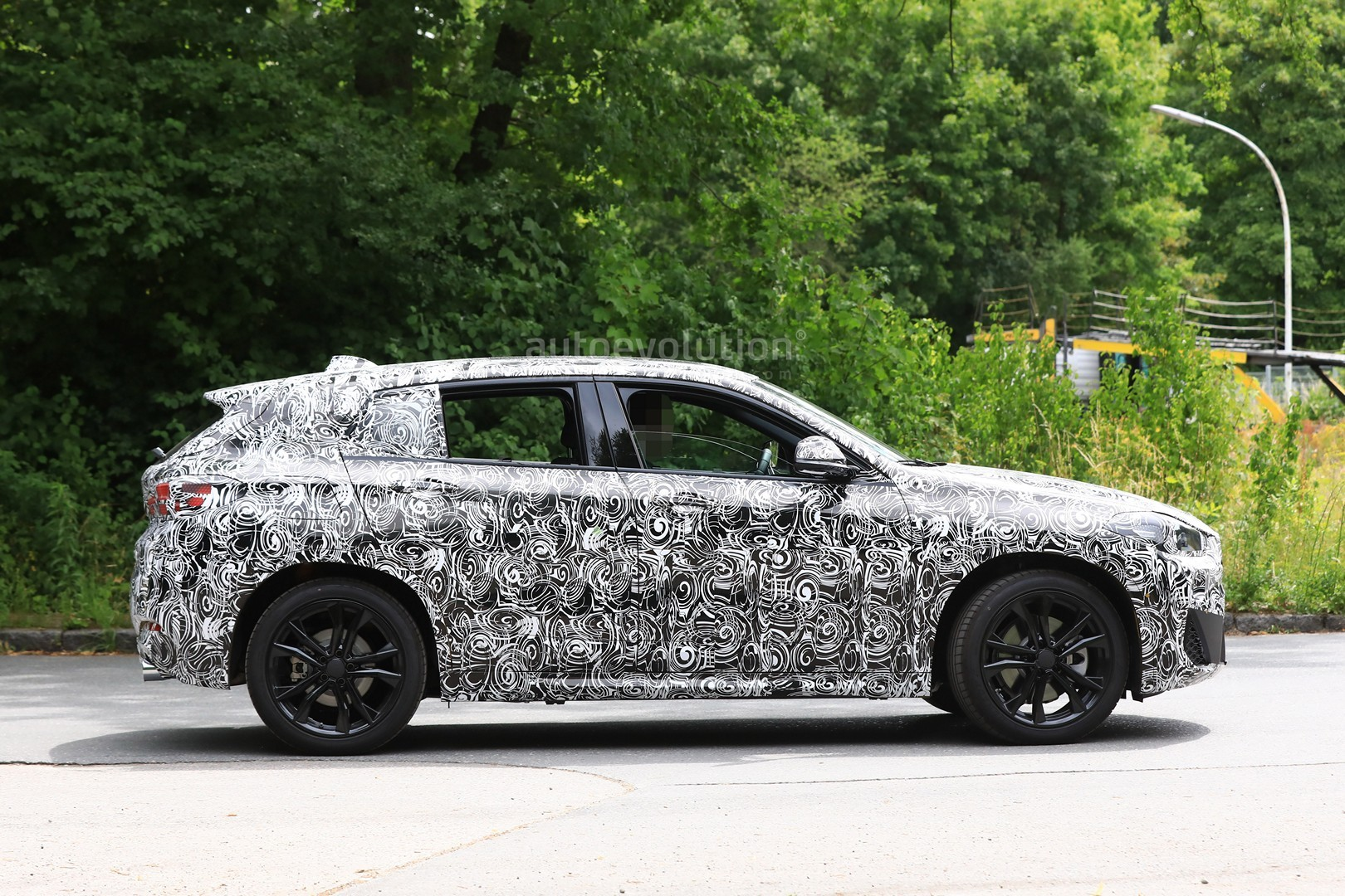2017 - [BMW] X2 [F39] - Page 7 Spyshots-2018-bmw-x2-interior-and-front-end-design-get-shown_7
