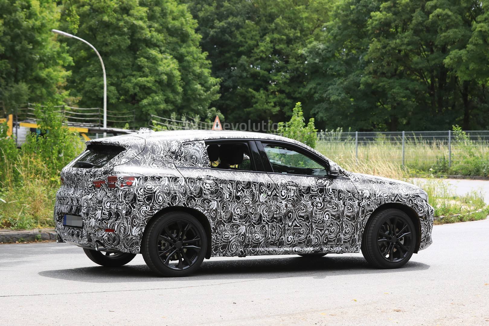 2017 - [BMW] X2 [F39] - Page 7 Spyshots-2018-bmw-x2-interior-and-front-end-design-get-shown_8